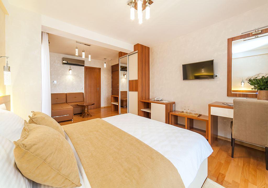 hotel-for-sale-herceg-novi-bijela8.jpg