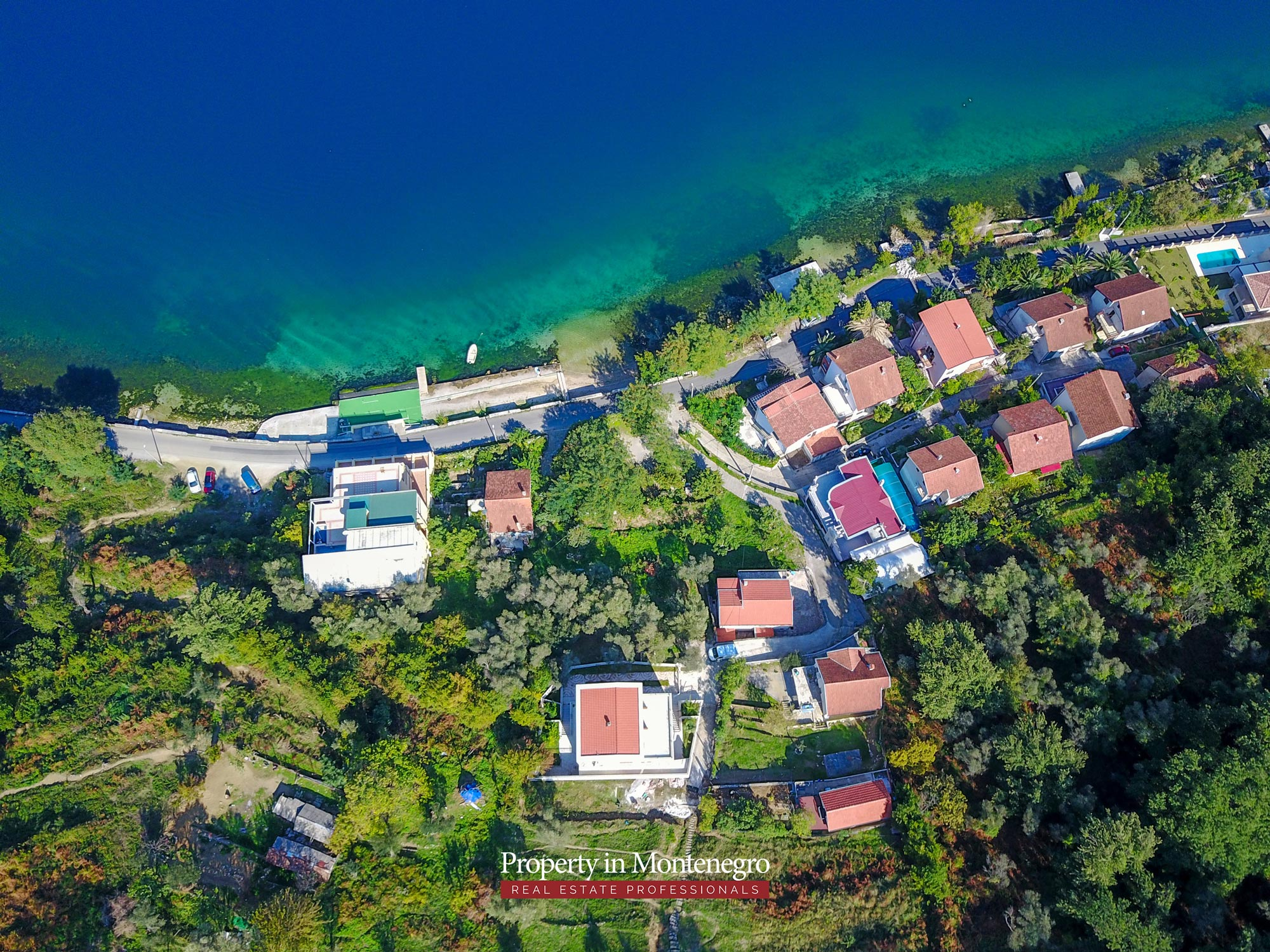 Luxury-villa-with-panoramic-sea-view-for-sale-in-Kotor (8).jpg