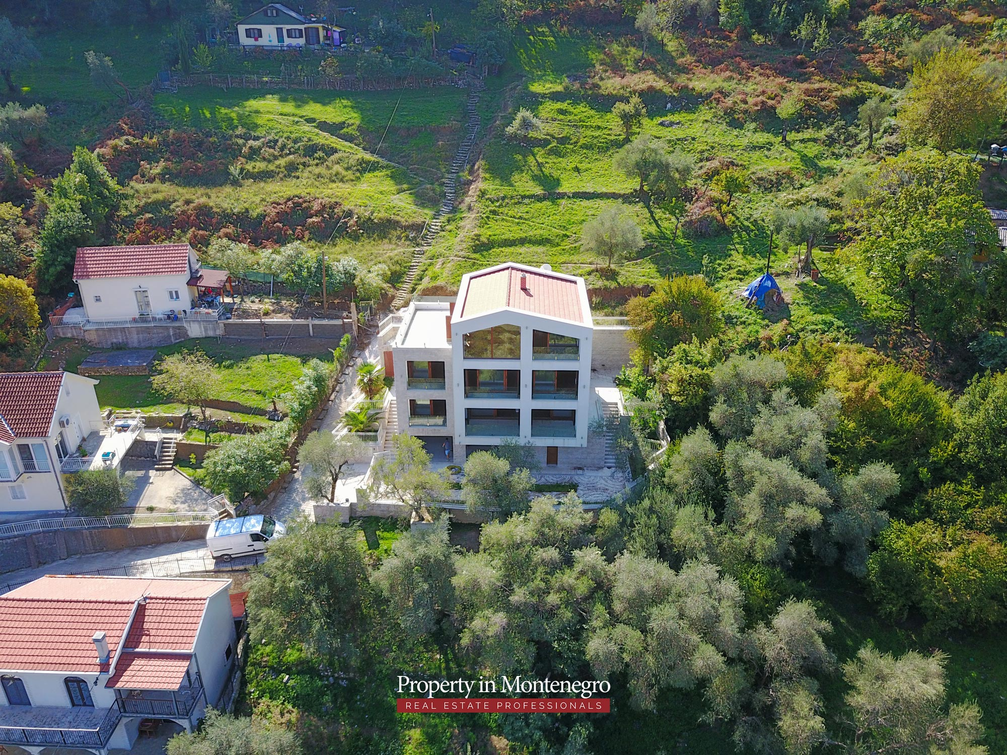 Luxury-villa-with-panoramic-sea-view-for-sale-in-Kotor (10).jpg