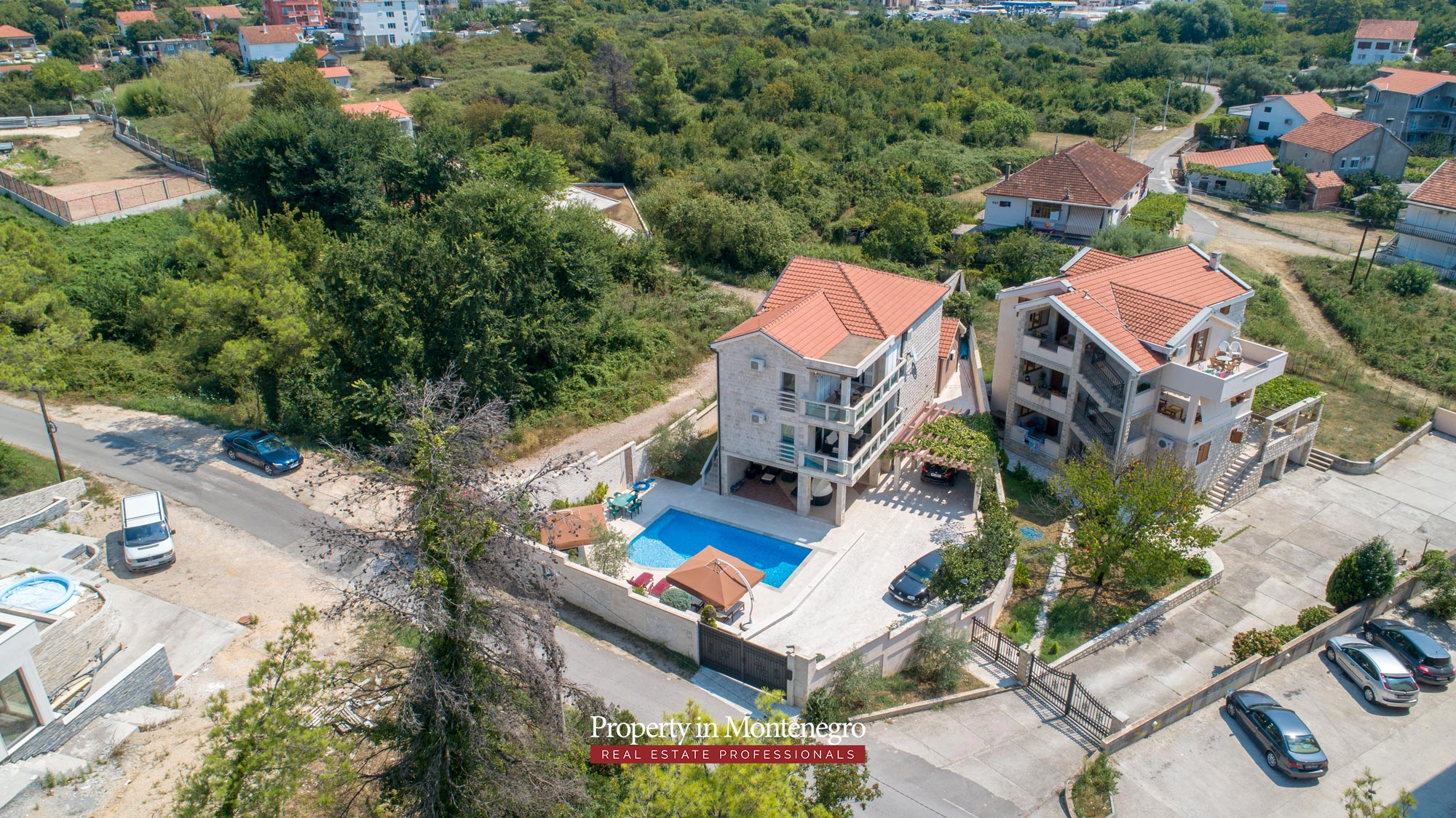 Villa-with-swimming-pool-for-sale-in-Tivat (1).jpg