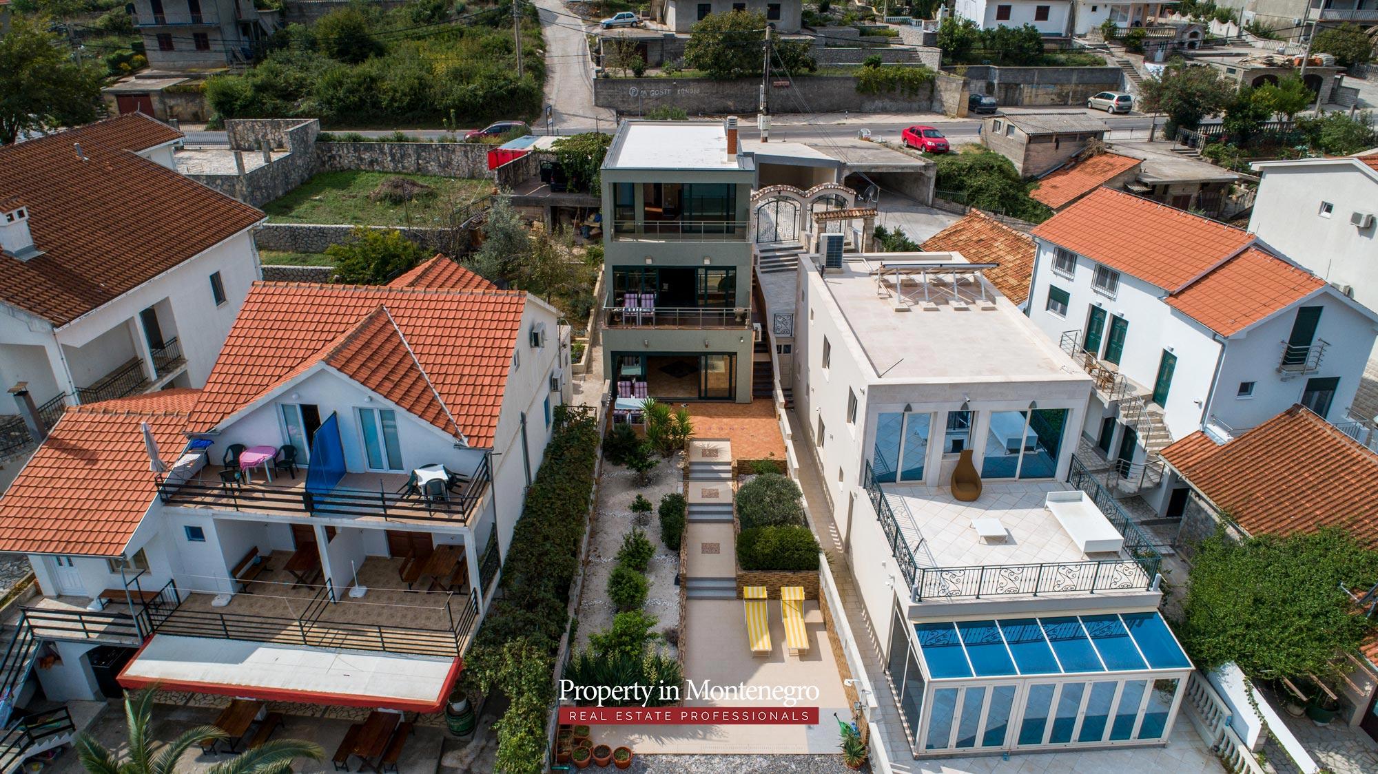 First-line-villa-for-sale-in-Tivat (11).jpg