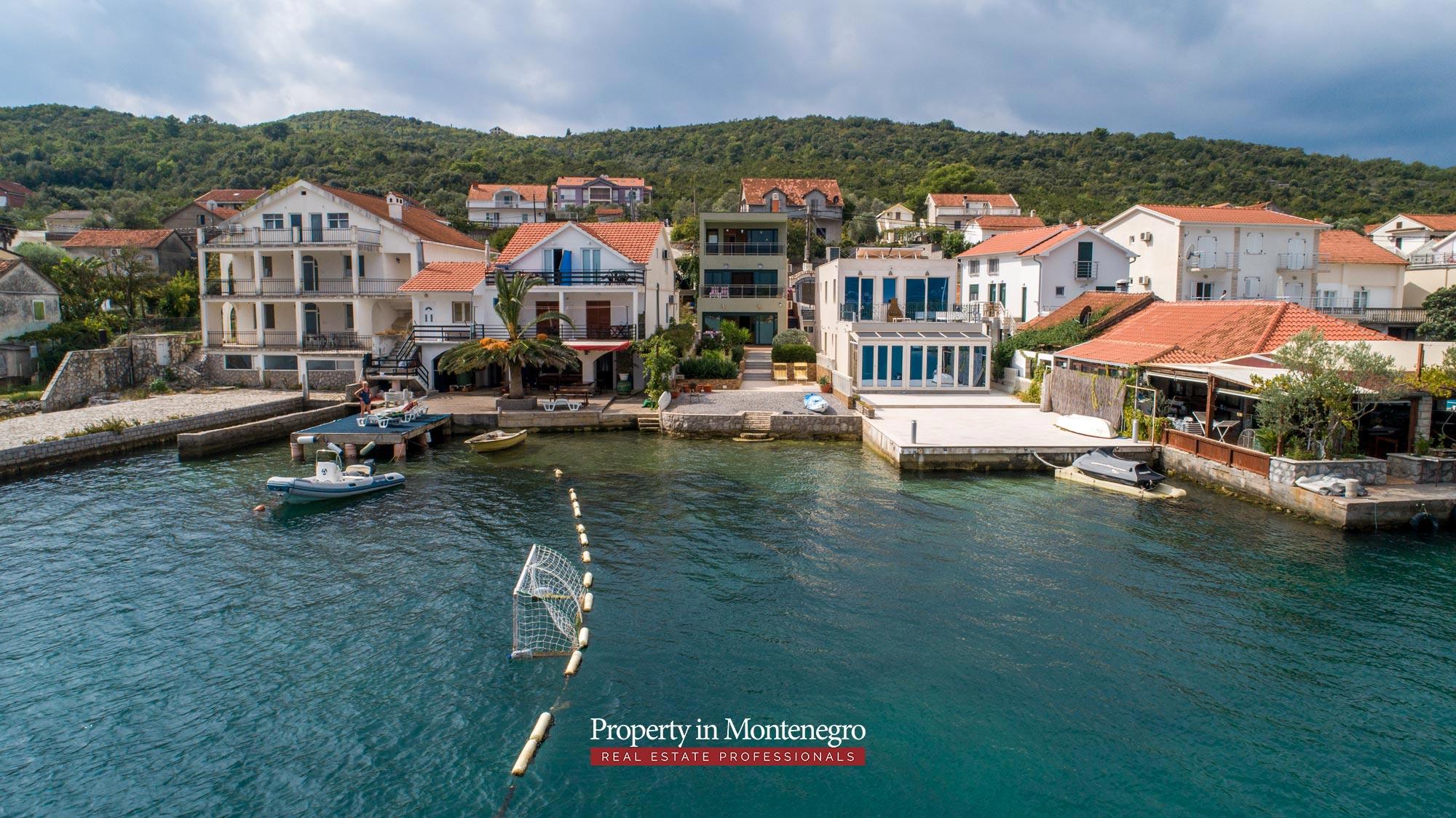 First-line-villa-for-sale-in-Tivat (12).jpg