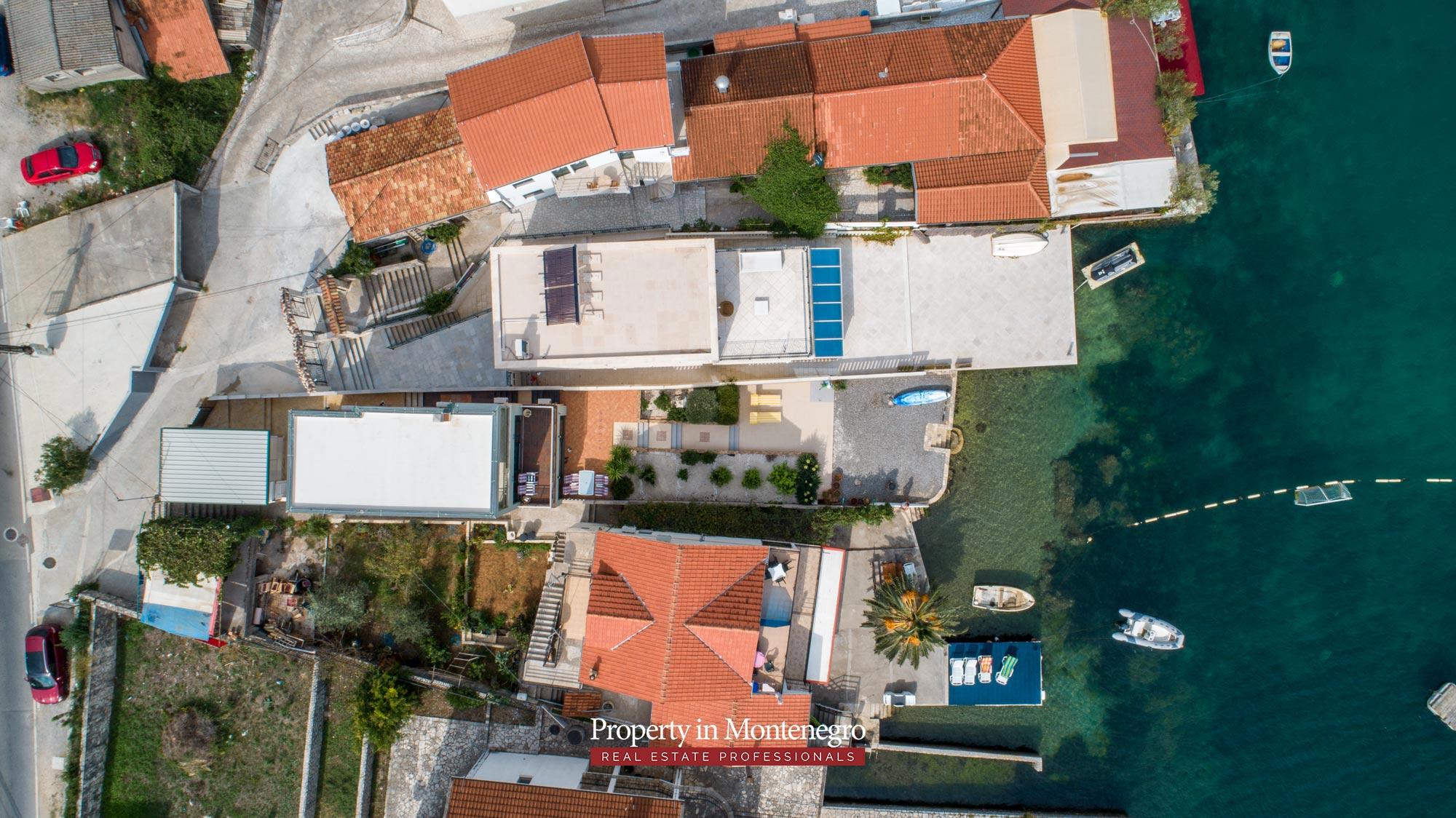 First-line-villa-for-sale-in-Tivat (13).jpg