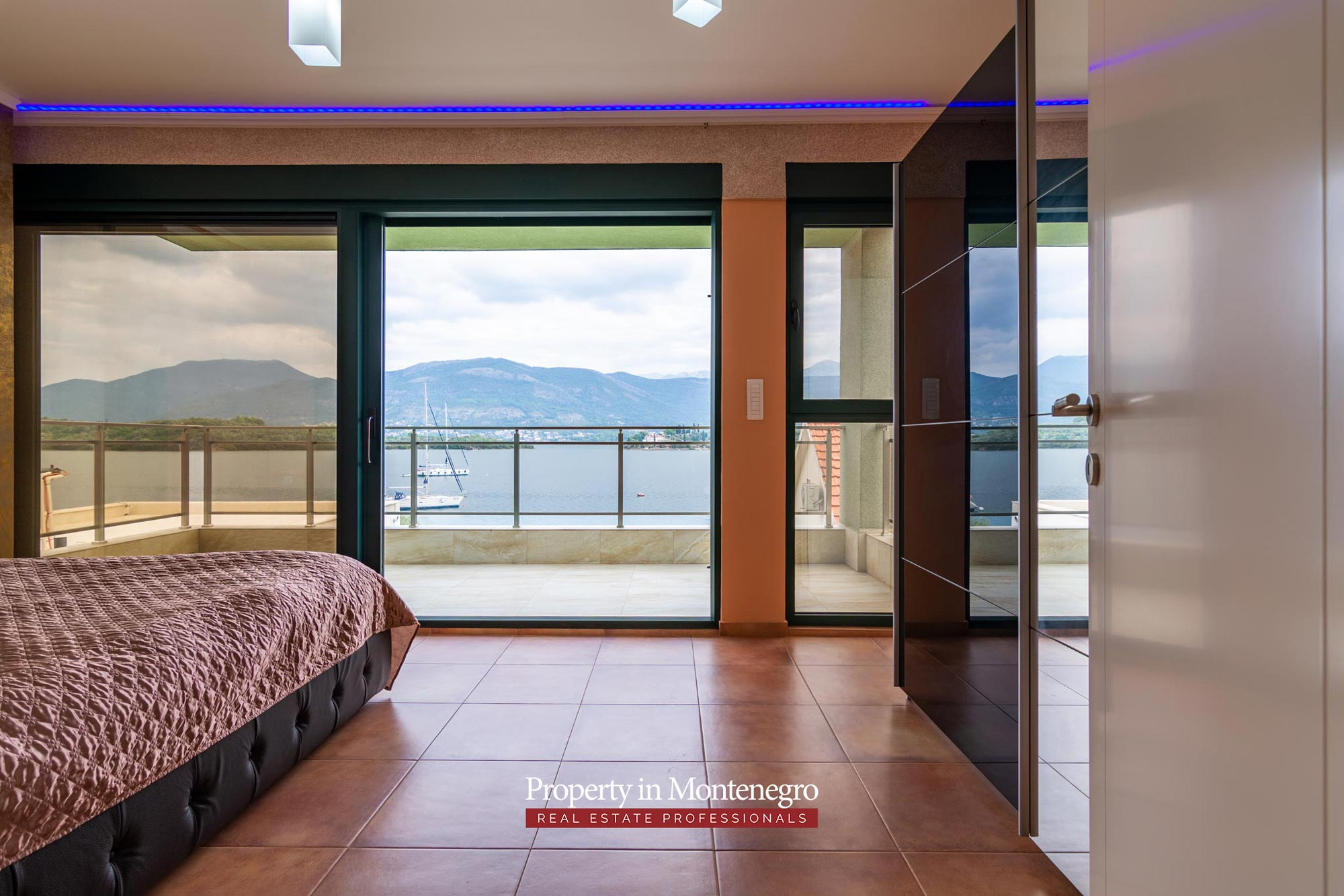 First line villa for sale in Tivat