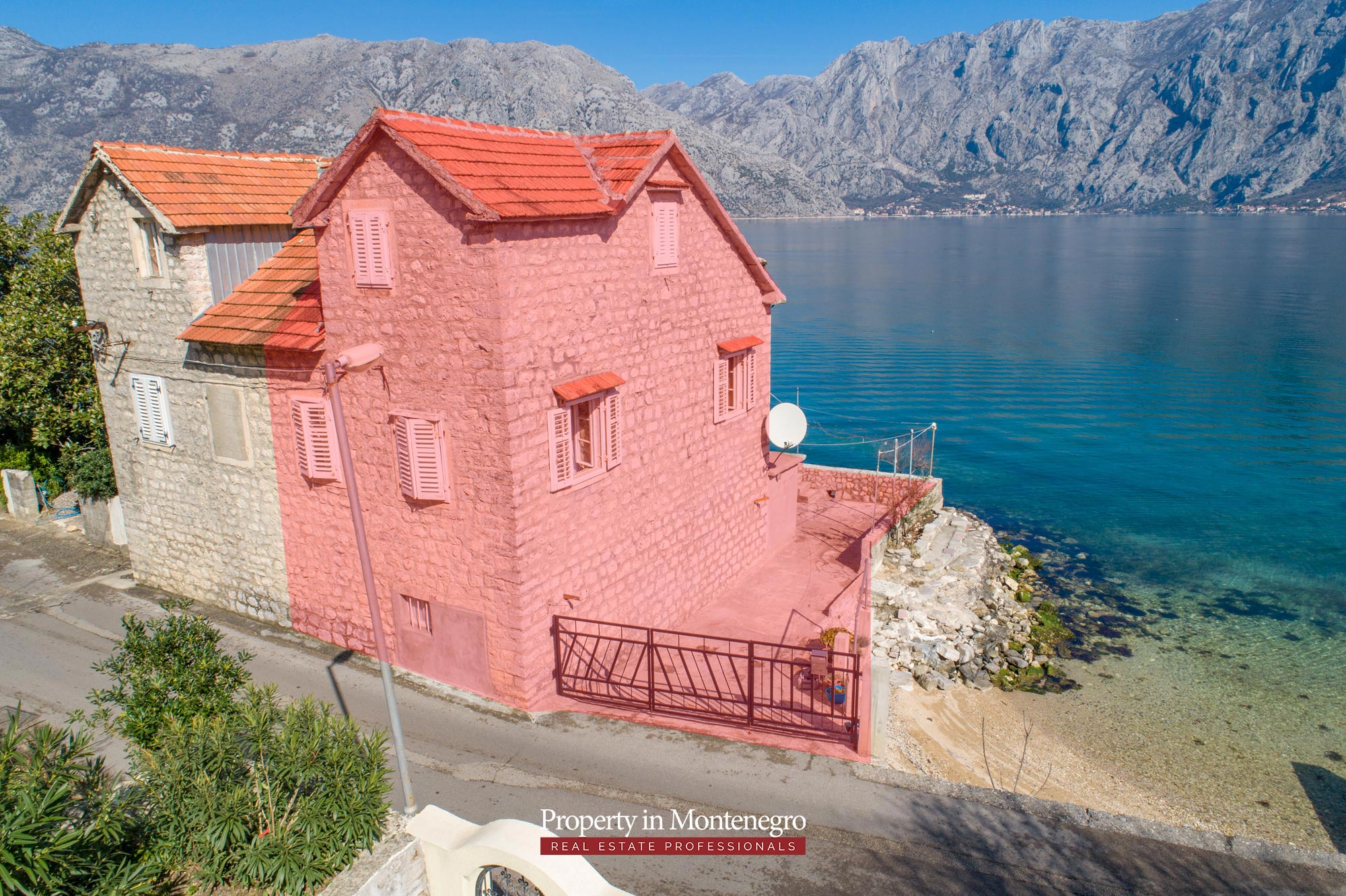 Waterfront-stone-house-for-sale-in-Kotor (16).jpg