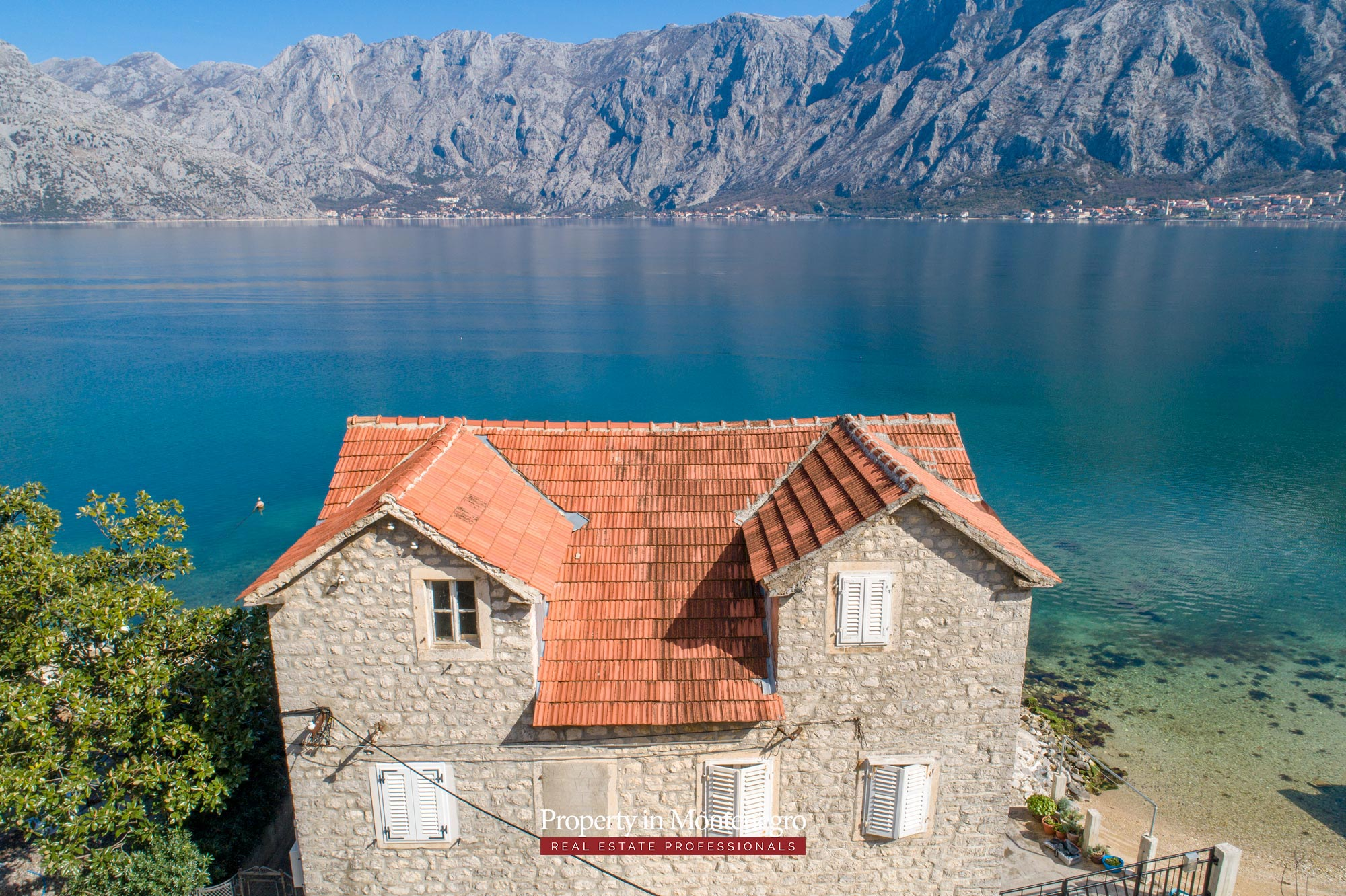 Waterfront-stone-house-for-sale-in-Kotor (5).jpg