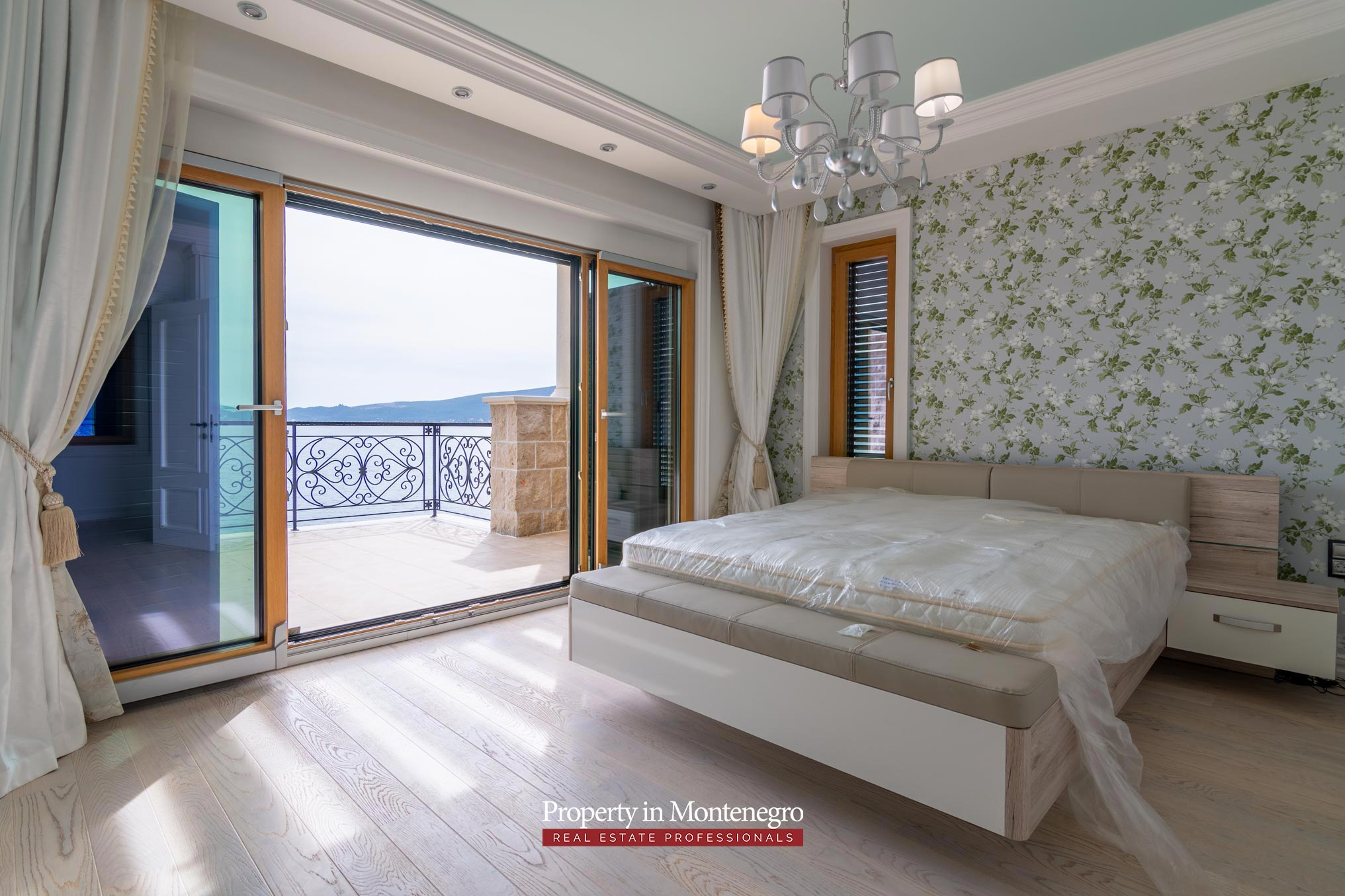 Luxury-waterfront-villa-for-sale-in-Montenegro (38).jpg