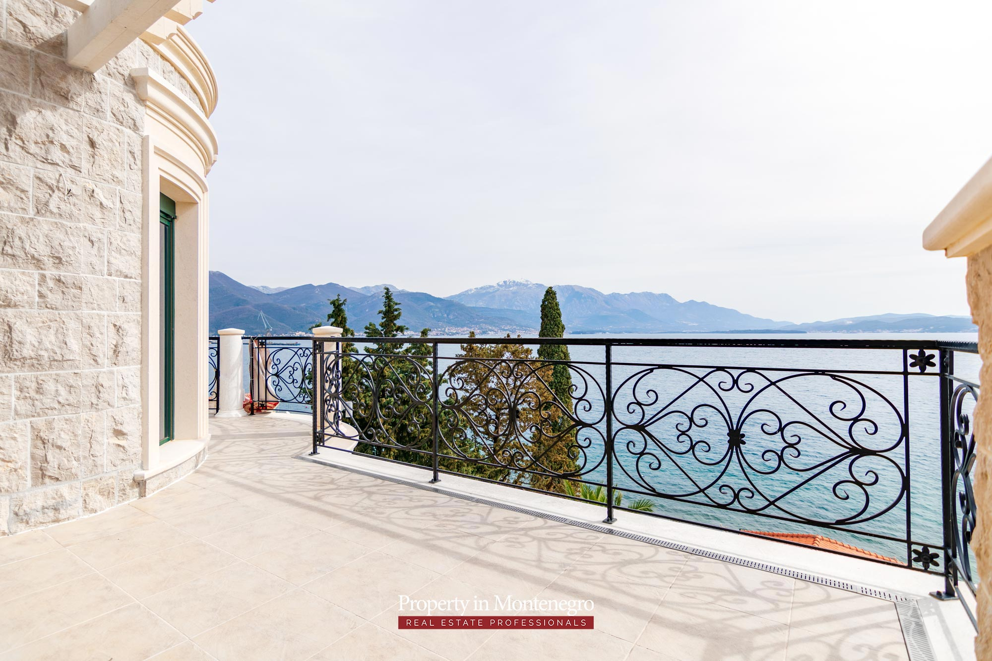 Luxury-waterfront-villa-for-sale-in-Montenegro (40).jpg