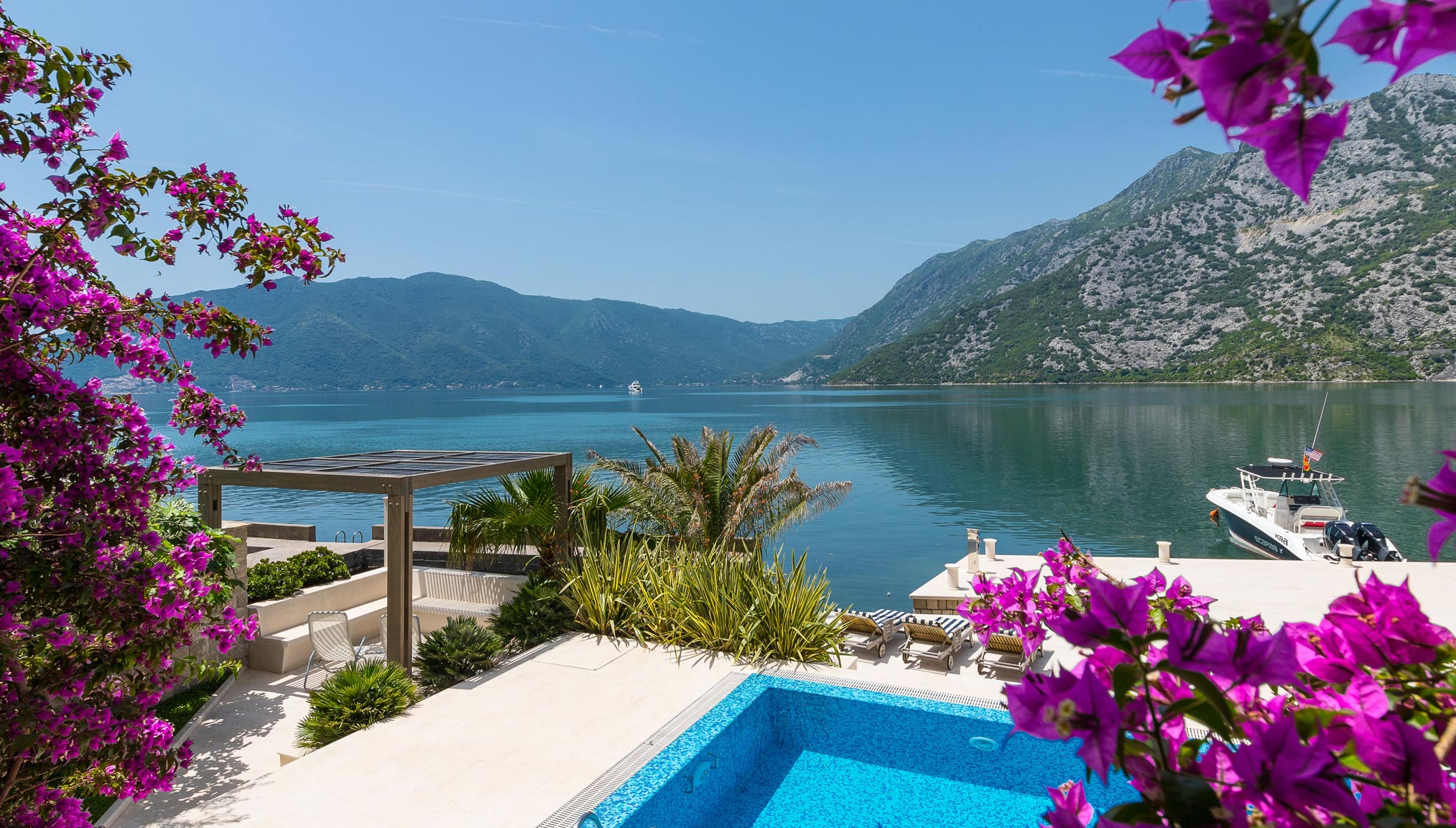 Luxury-waterfront-villa-with-swimming-pool-for-sale-in-Kotor (2).jpg