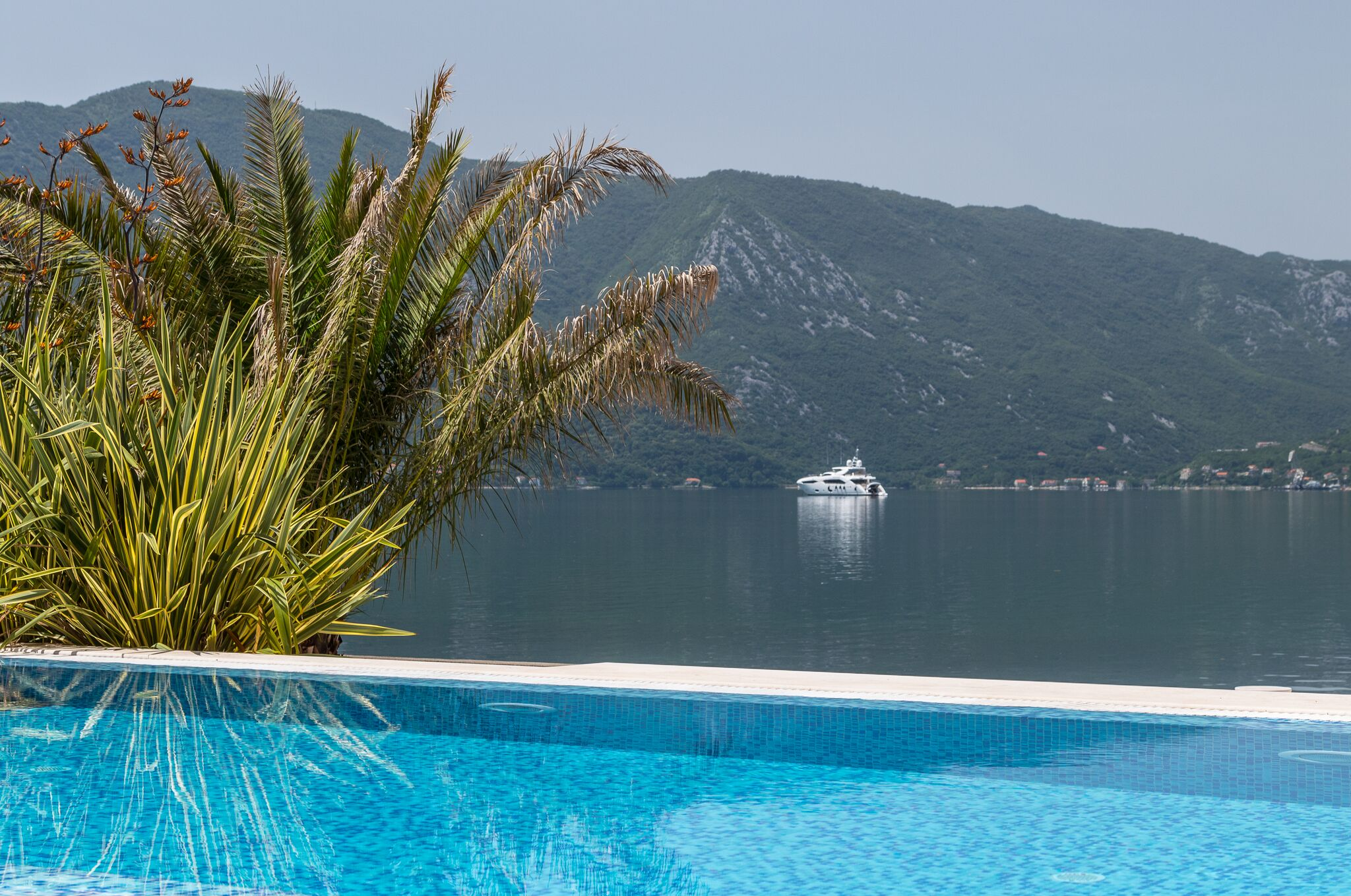 Luxury-waterfront-villa-with-swimming-pool-for-sale-in-Kotor (13).jpeg