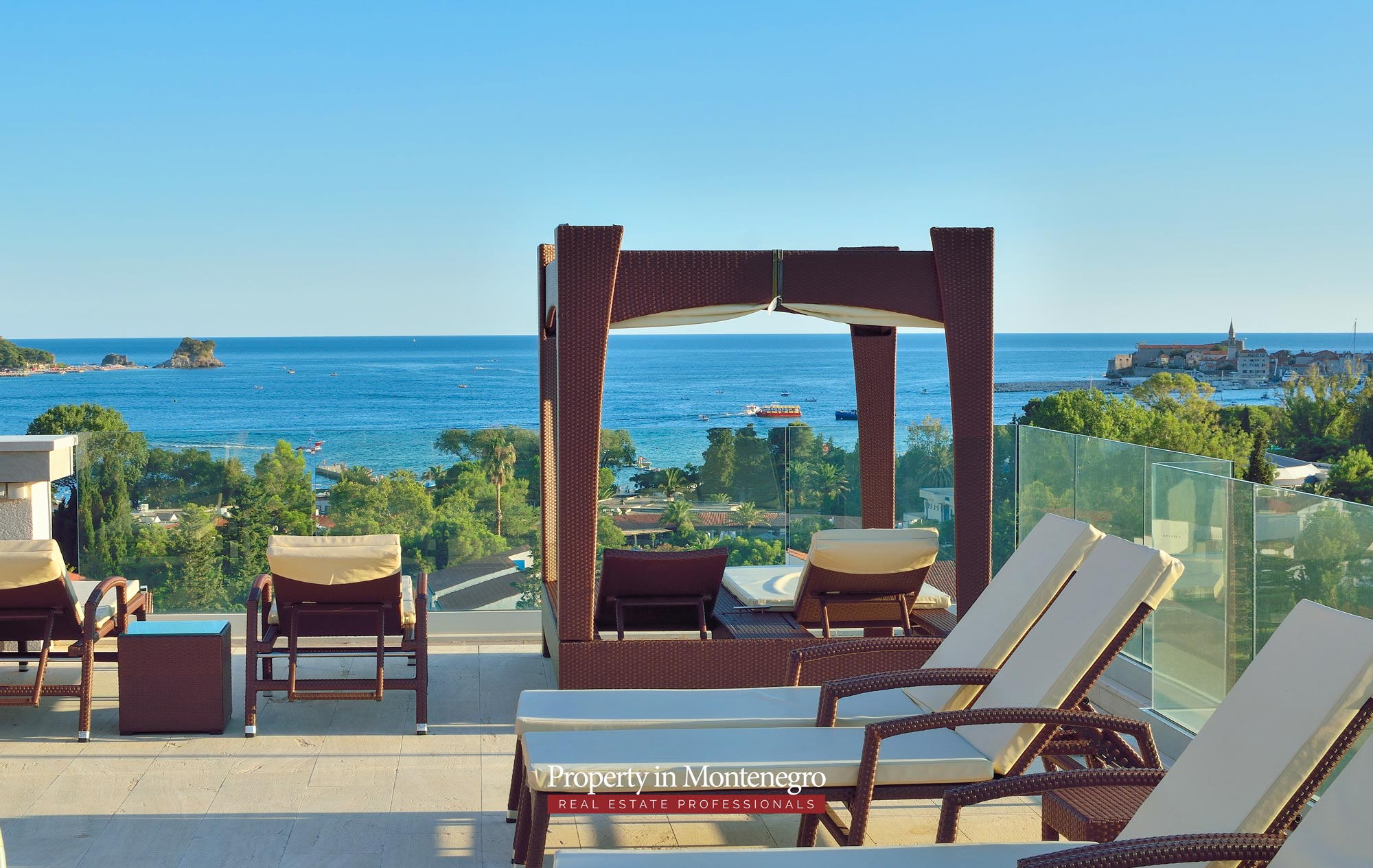 luxury-penthouse-with-panoramic-view-and-swimming-pool-for-sale-in-Budva-Montenegro (1).jpg