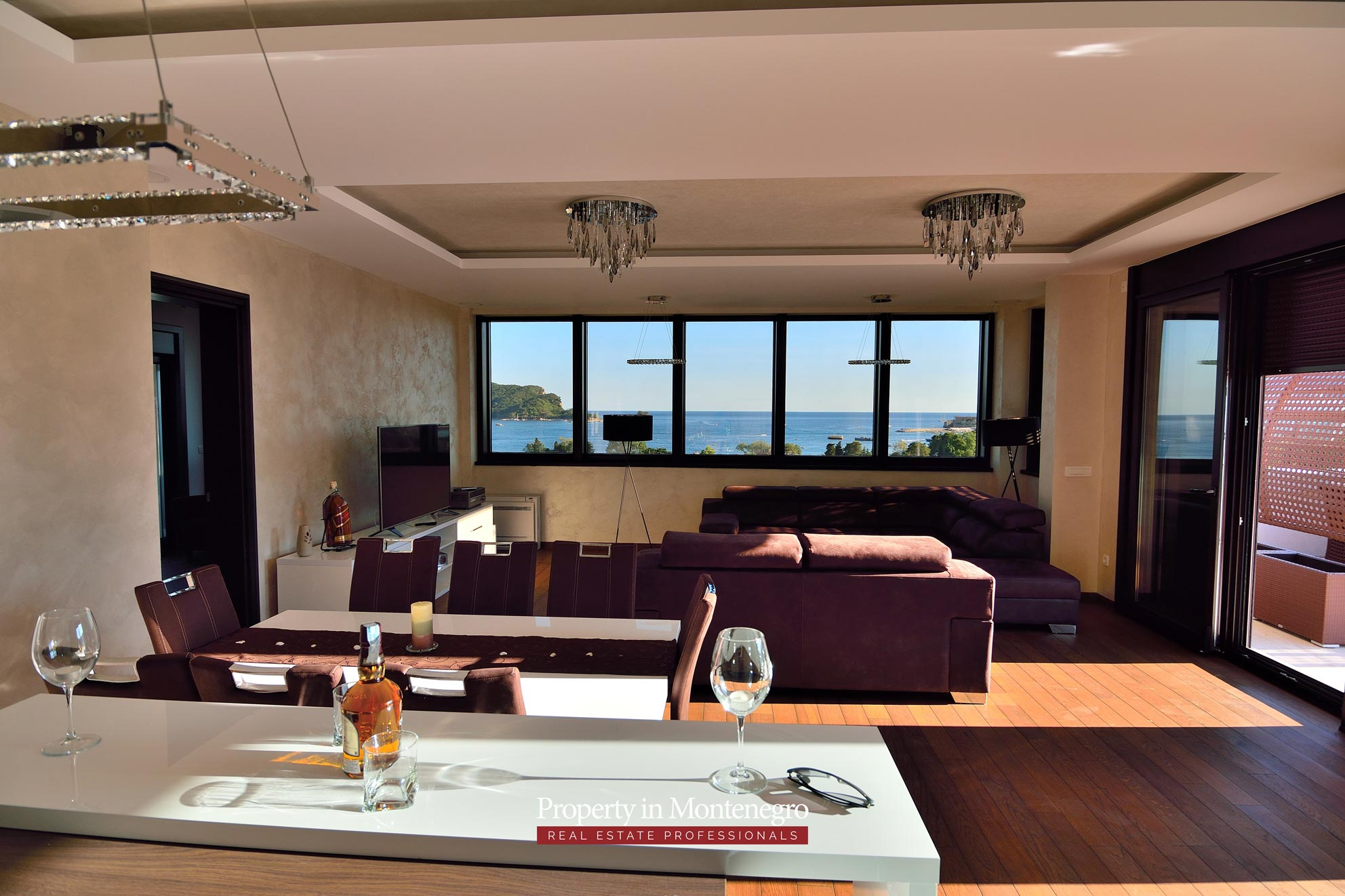 luxury-penthouse-with-panoramic-view-and-swimming-pool-for-sale-in-Budva-Montenegro (3).jpg