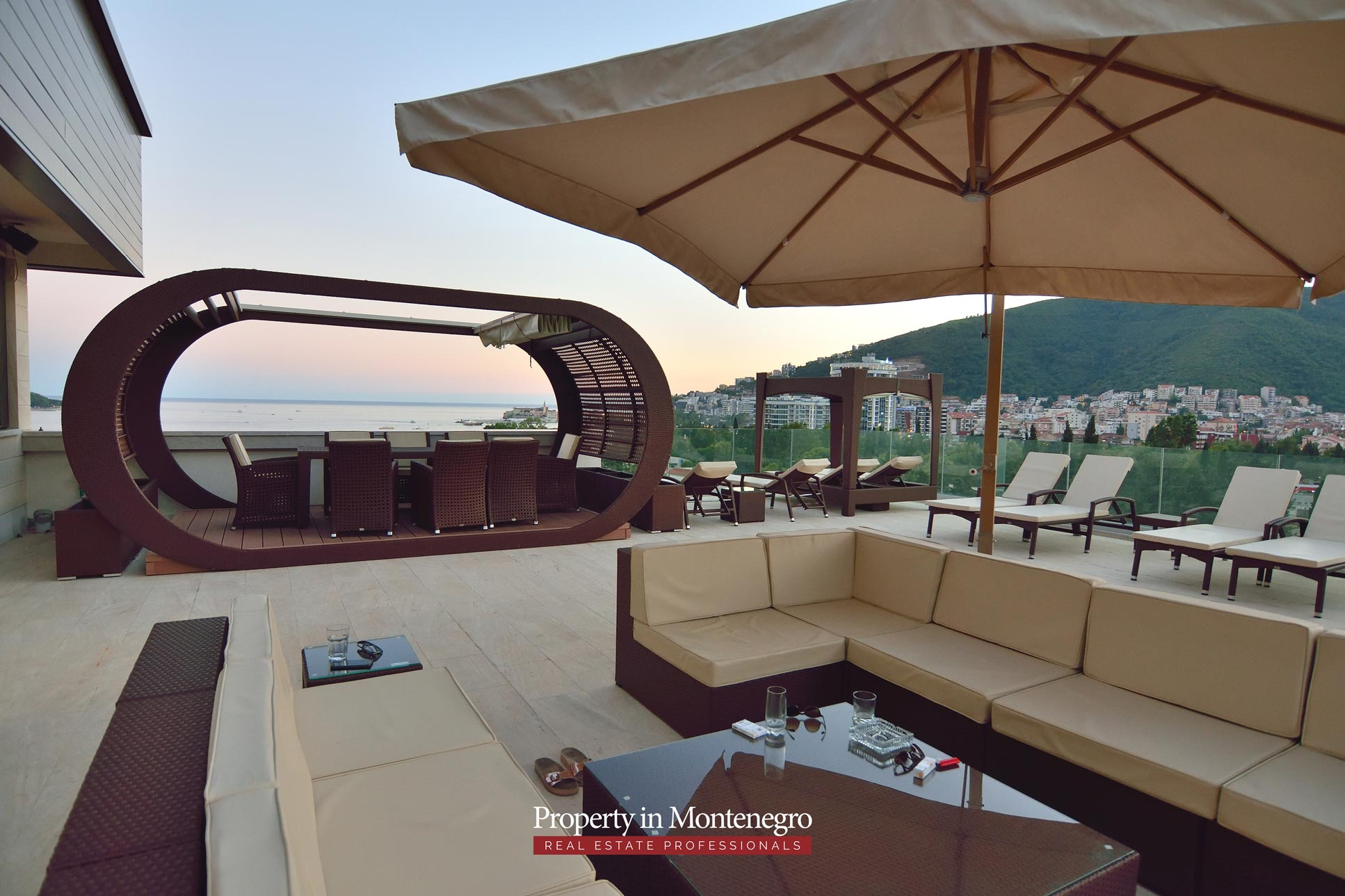luxury-penthouse-with-panoramic-view-and-swimming-pool-for-sale-in-Budva-Montenegro (5).jpg