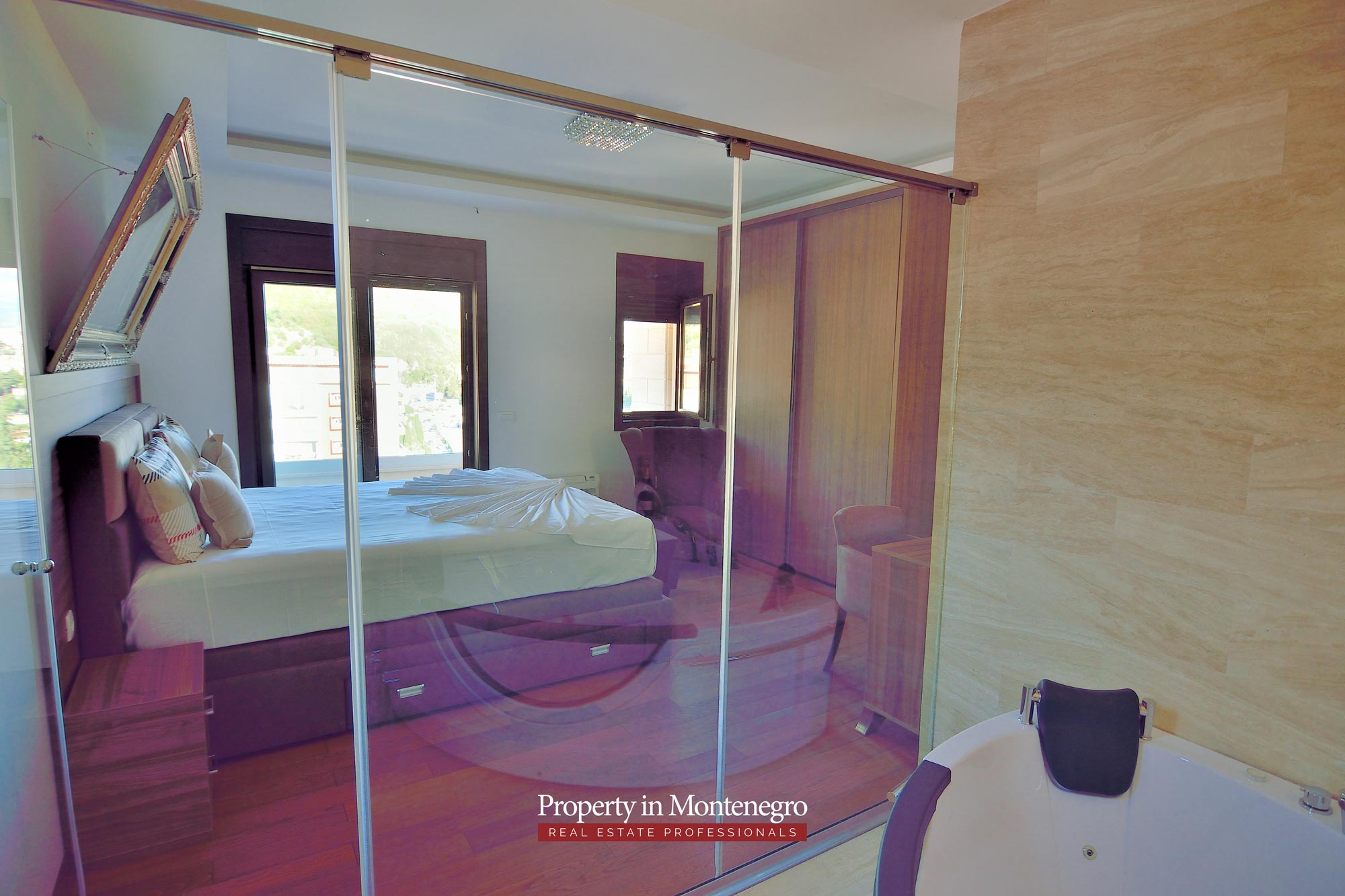 luxury-penthouse-with-panoramic-view-and-swimming-pool-for-sale-in-Budva-Montenegro (16).jpg
