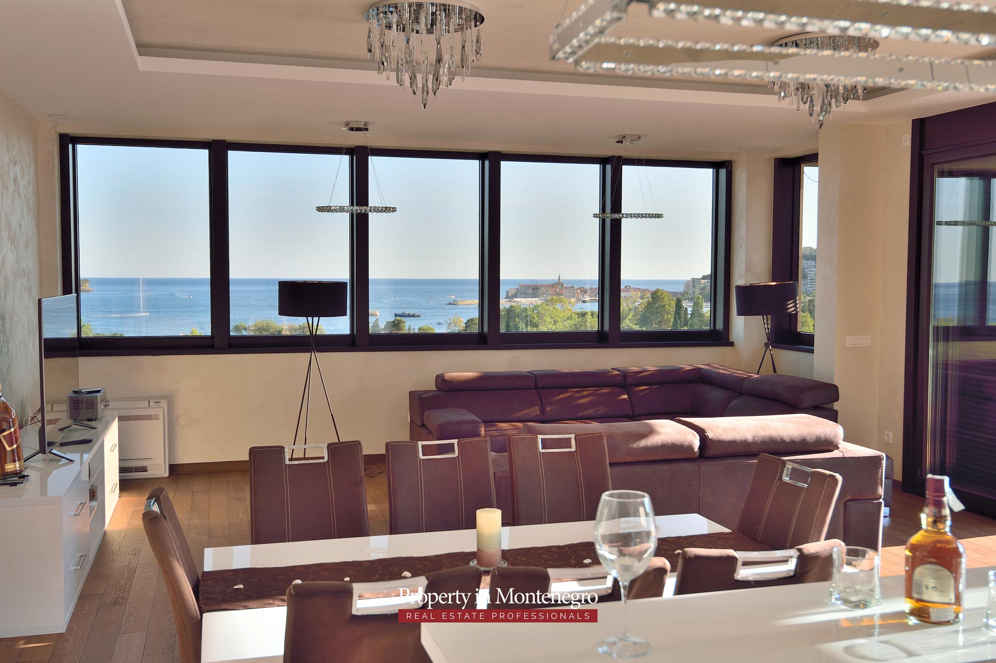 luxury-penthouse-with-panoramic-view-and-swimming-pool-for-sale-in-Budva-Montenegro (28).jpg