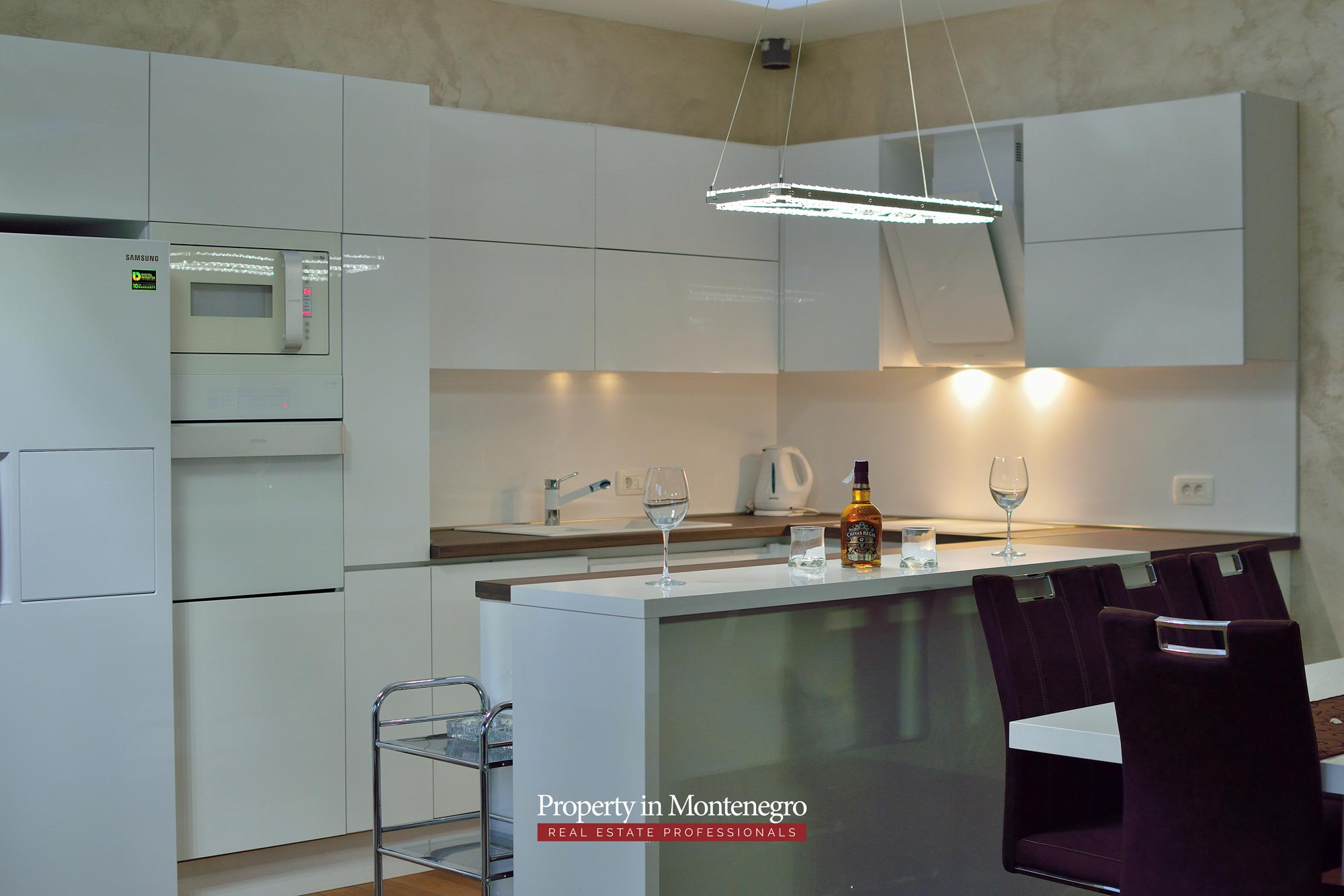 luxury-penthouse-with-panoramic-view-and-swimming-pool-for-sale-in-Budva-Montenegro (61).jpg