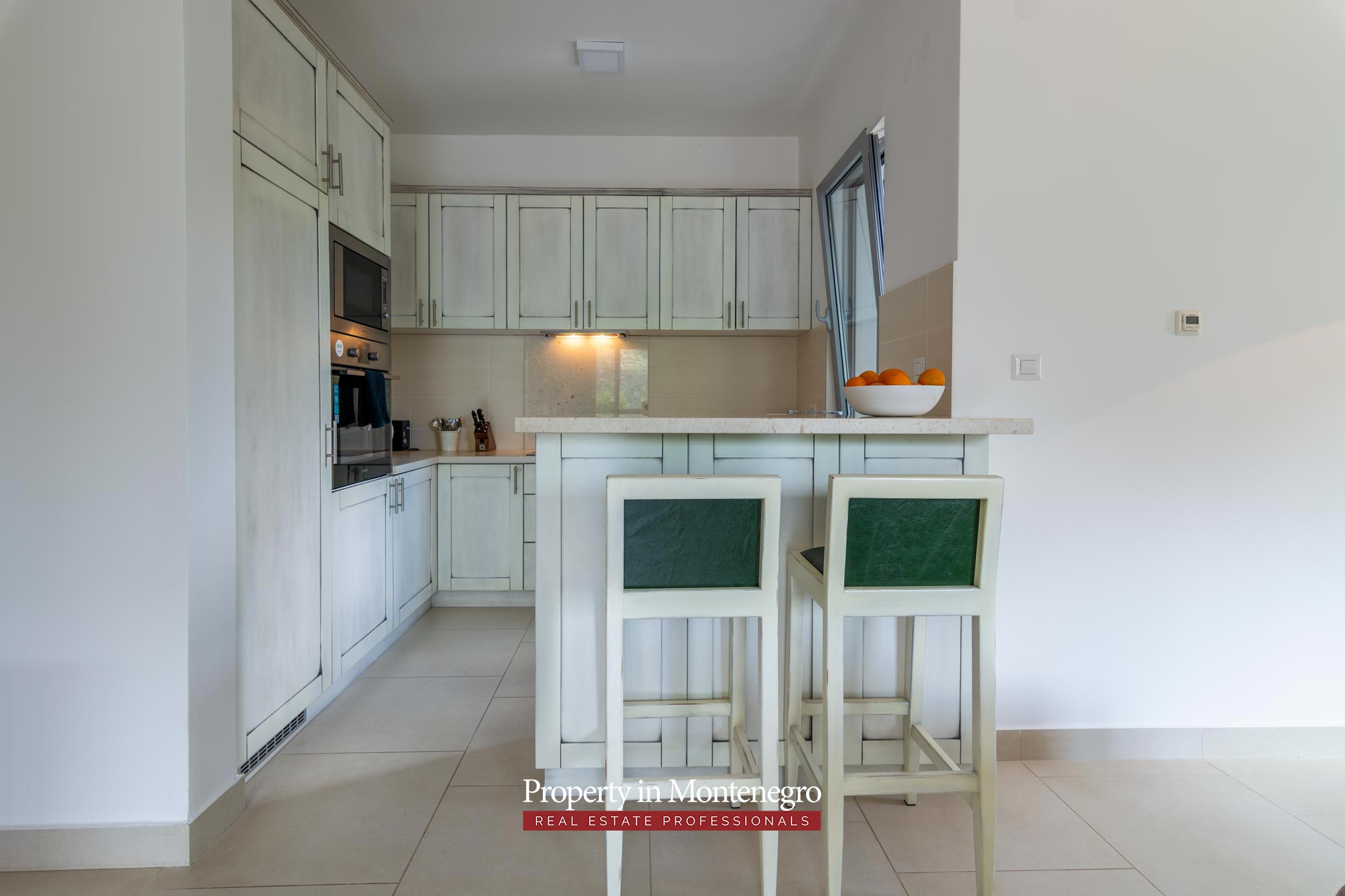 Two bedroom apartment in Kotor