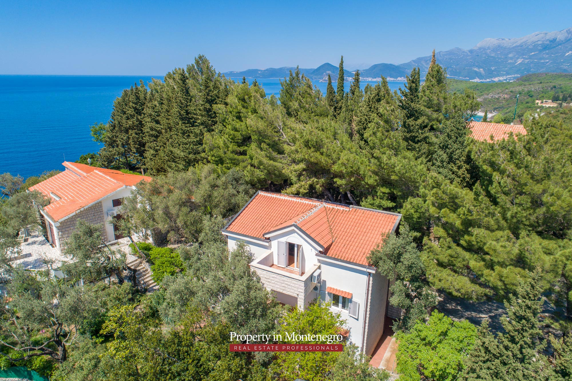House-with-sea-view-for-sale-in-Budva (2).jpg