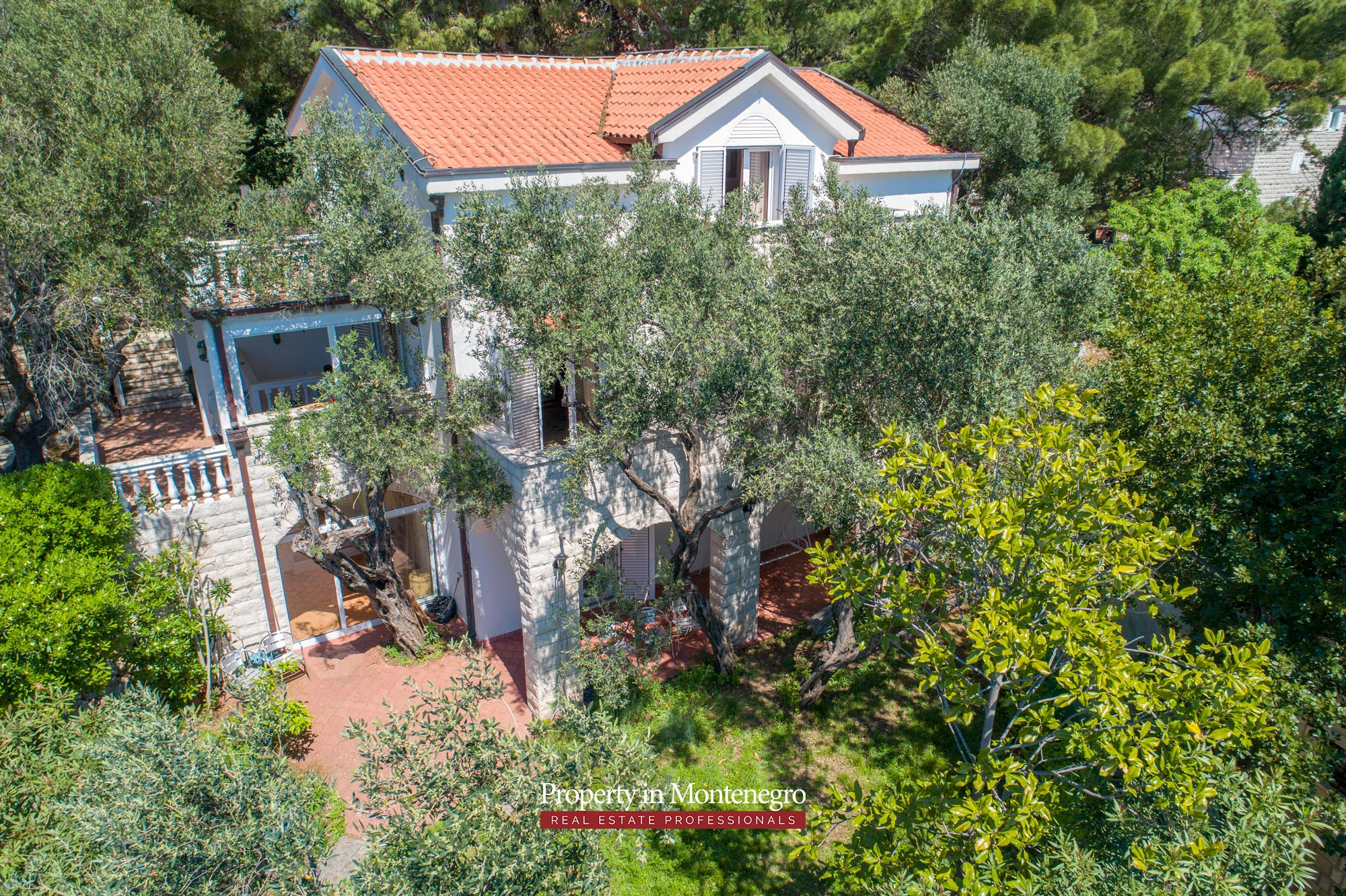 House-with-sea-view-for-sale-in-Budva (1).jpg