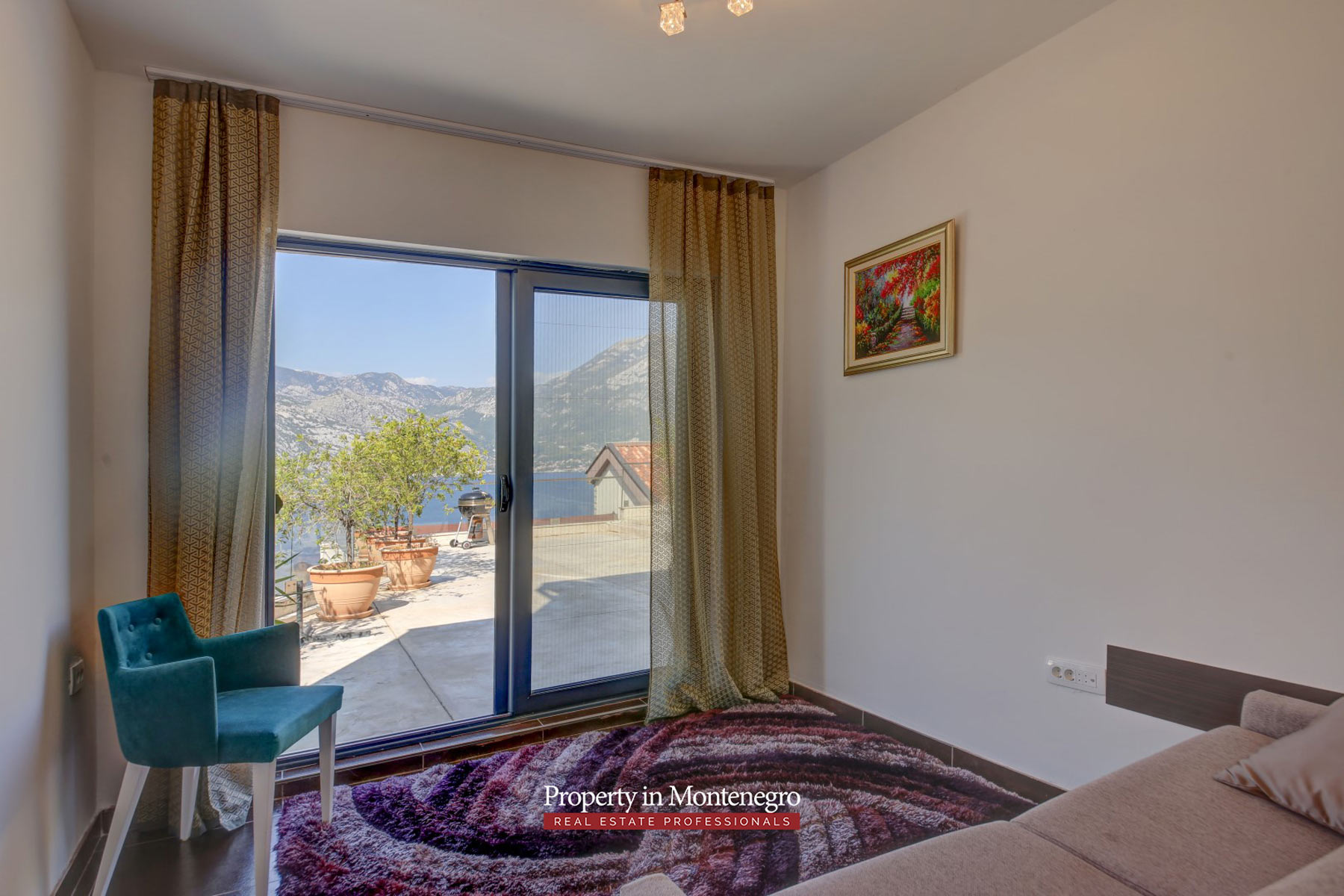 Three-bedroom-apartment-for-sale-in-Bay-of-Kotor (9).jpg