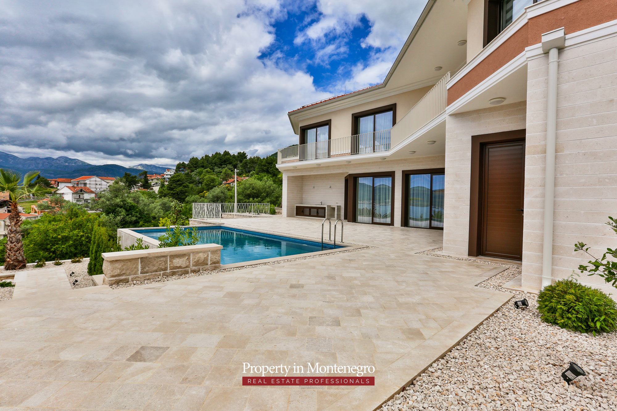 Luxury-villa-with-sea-view-for-sale-in-Tivat (2).jpg
