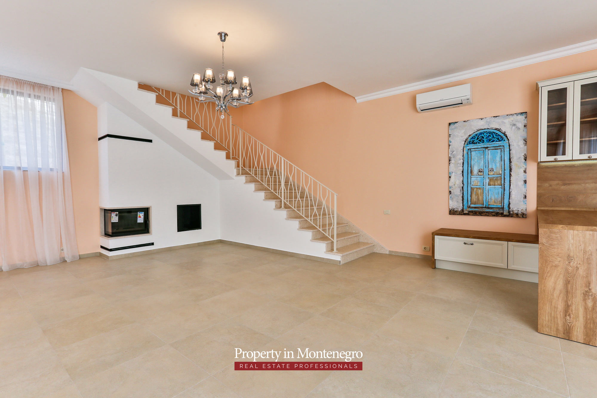 Luxury-villa-with-swimming-pool-for-sale-in-Tivat (1).jpg