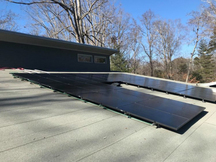 Atlanta makes progress with installation of solar panels at homes, city-owned buildings -