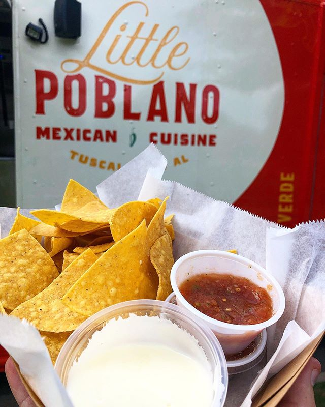Head over to Nott Hall from 11-2:30 every day through Thursday to grab some classic chips & queso! #LittlePoblano #mexicancuisine