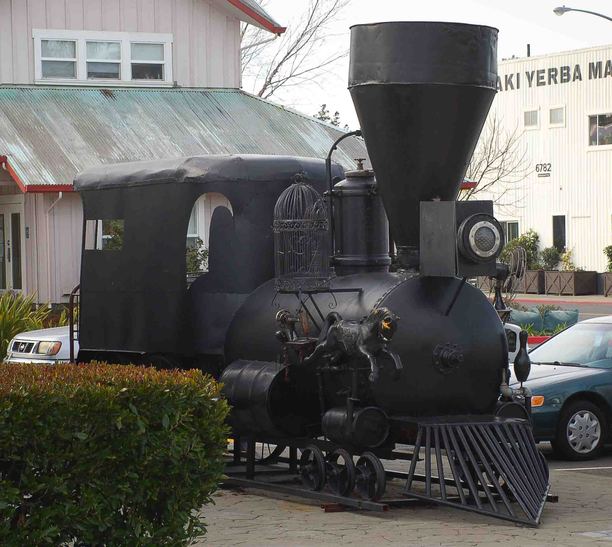 Amiot updates the Great Locomotive regularly making it an ever-evolving artwork.