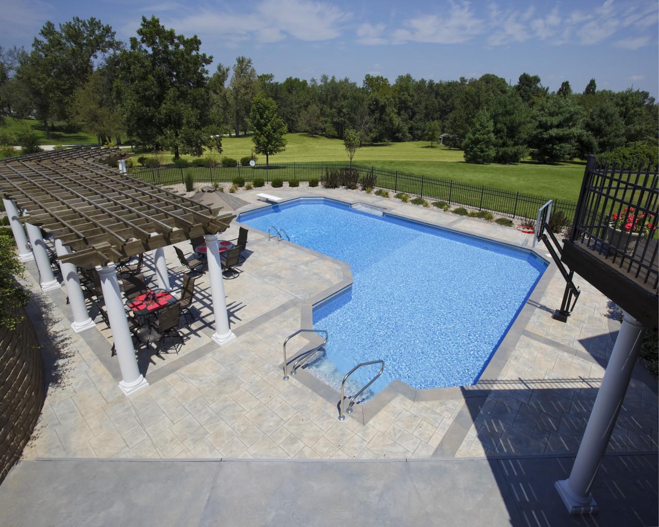 33 - Ell Pool