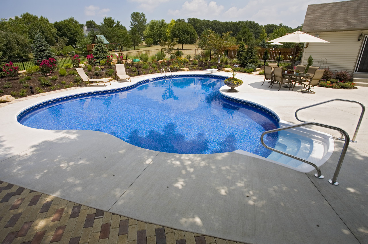 8 - Lagoon Pool