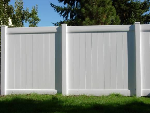 vinyl-privacy-fence-3[1].jpg