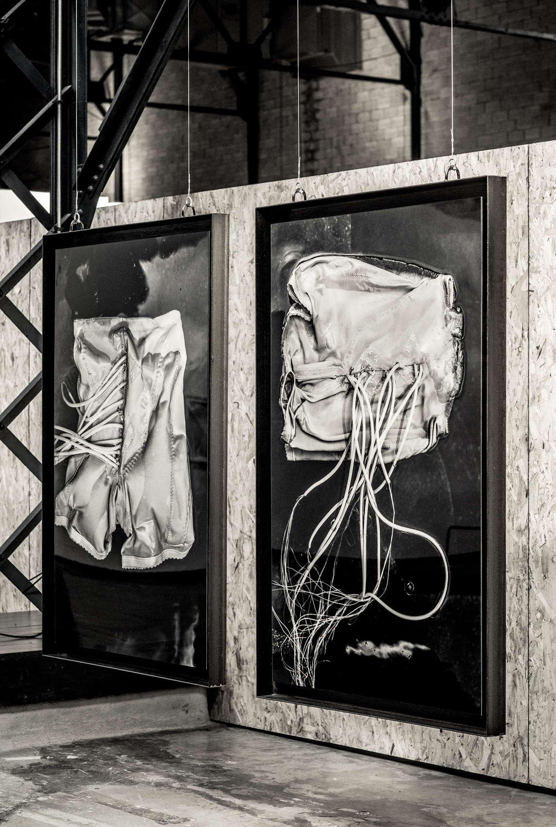 A word from the artist  Soif [série méduses] is a series of photographic works elaborated from props used during the y2o project. Evocations of desire, the thirst for the other. Body tensions, plexus pulsations, sinuous and electrical, fluid and glacial, just as medusas.