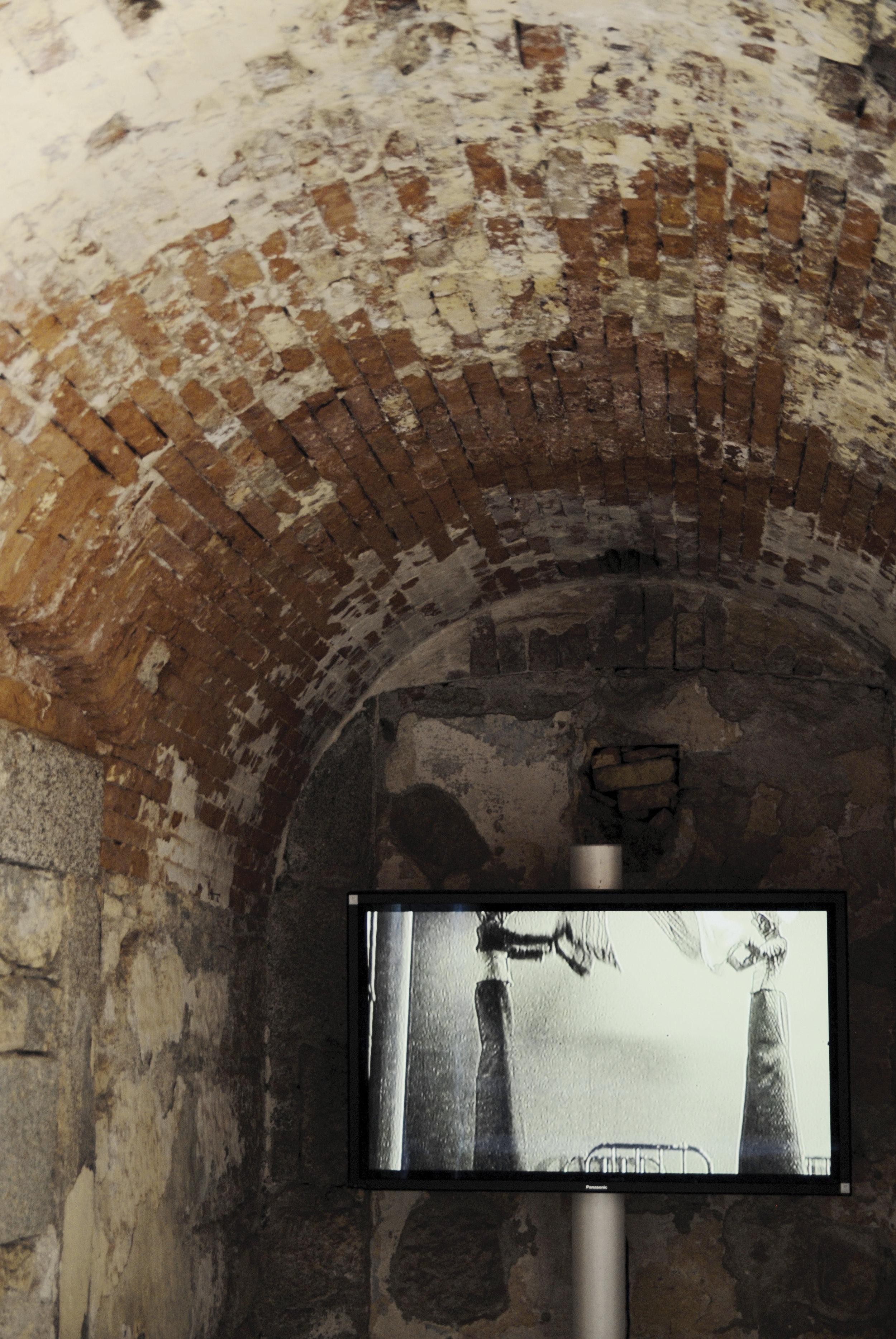 Silent room [installation]