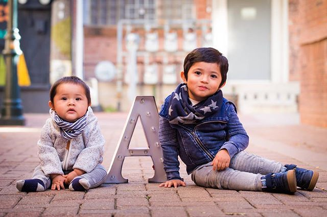 👥 Adrian & Aaron H. 📷 Canon 6D // Canon 100mm f2.8L #childrenphotography