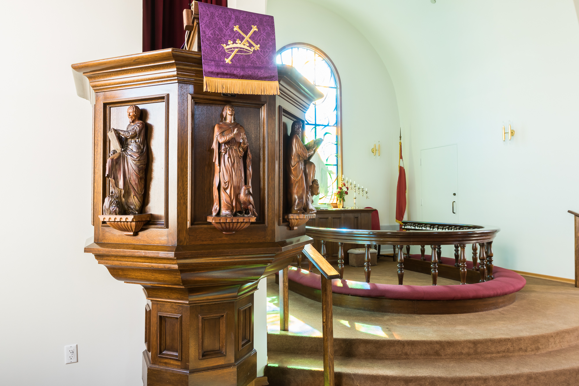 church_pulpit.jpg