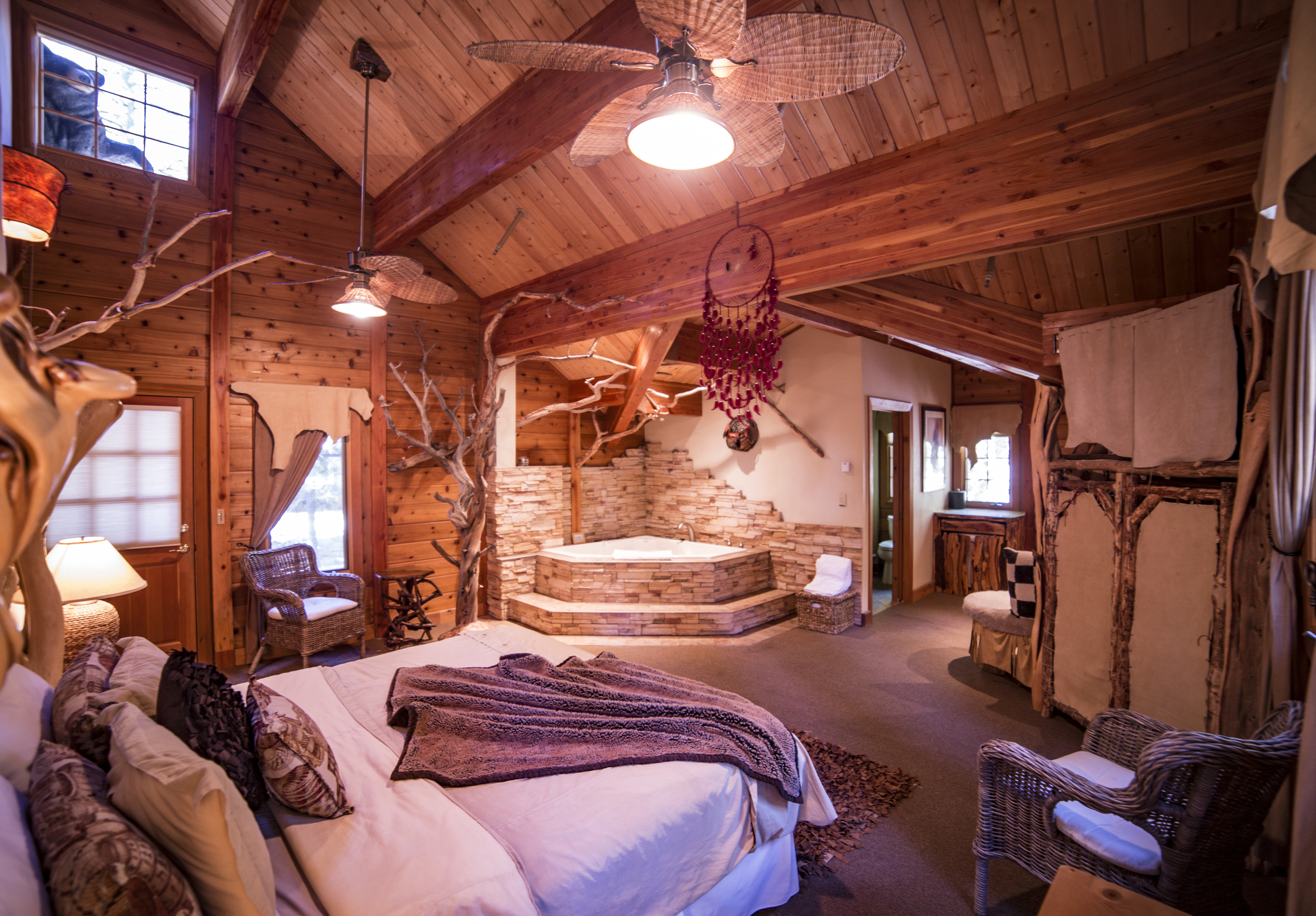 An image of one of the Cottage Inn decorated rooms