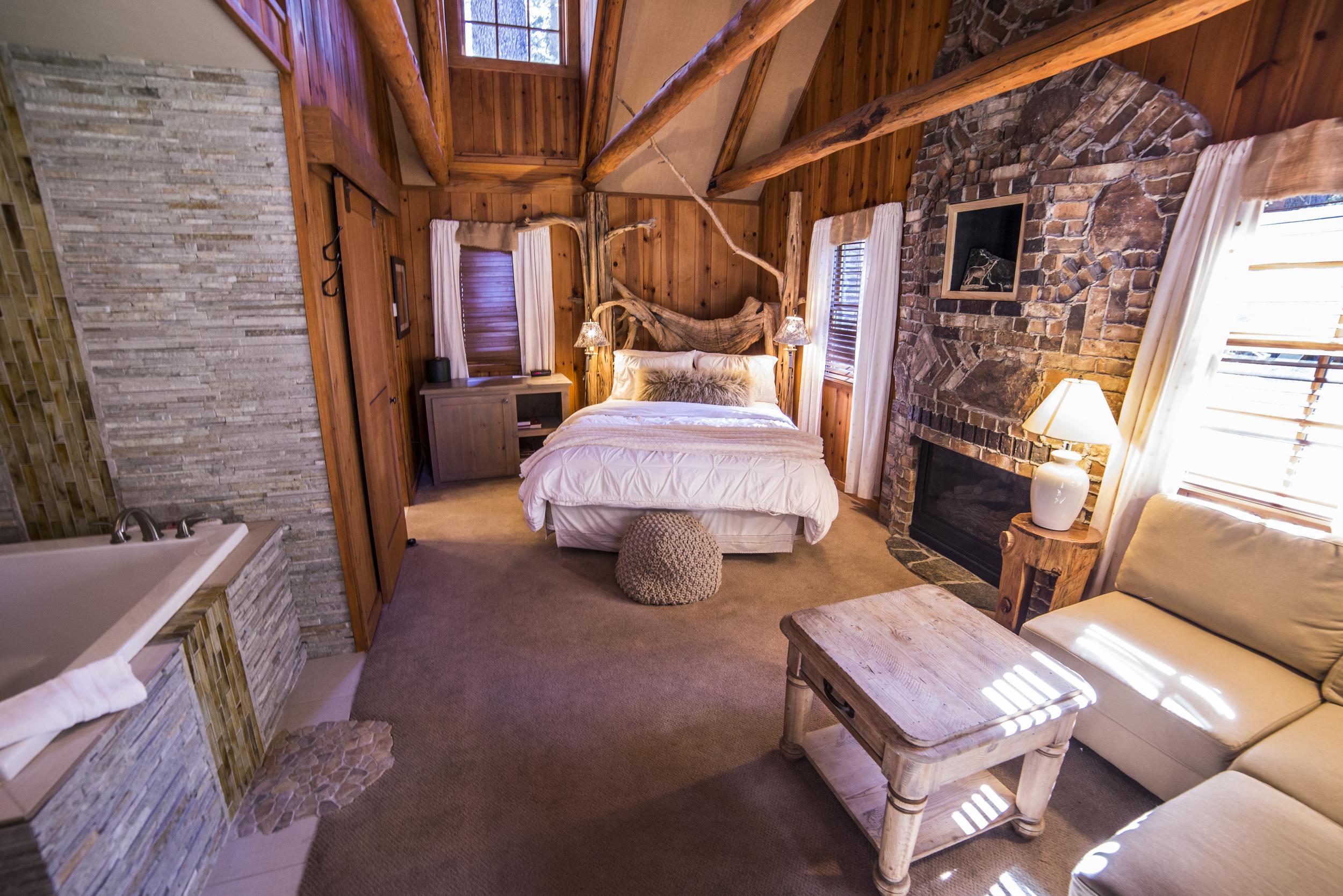 Romantic Hideaway Cottage Inn Room