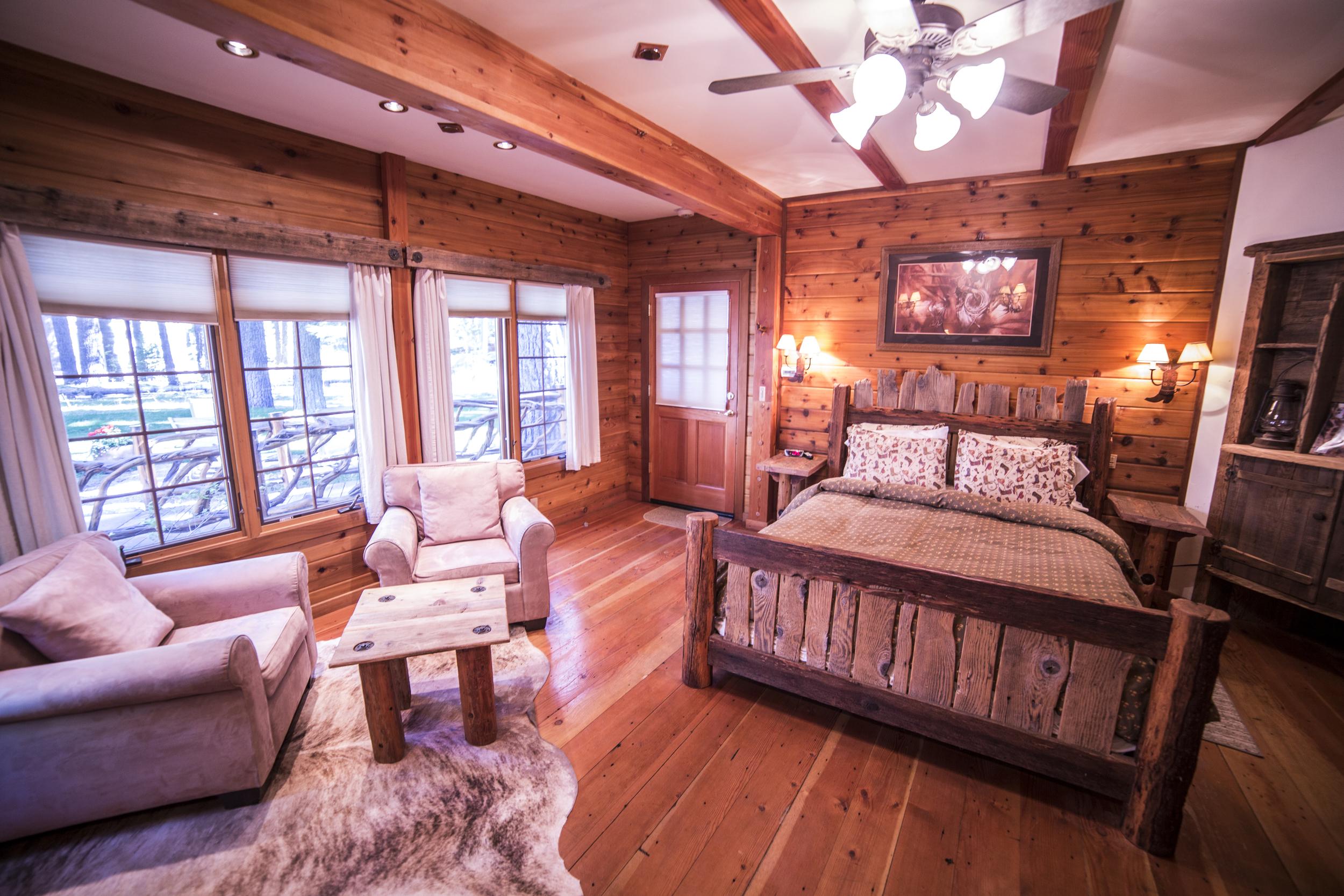 Cowboy Romance Cottage Inn Room