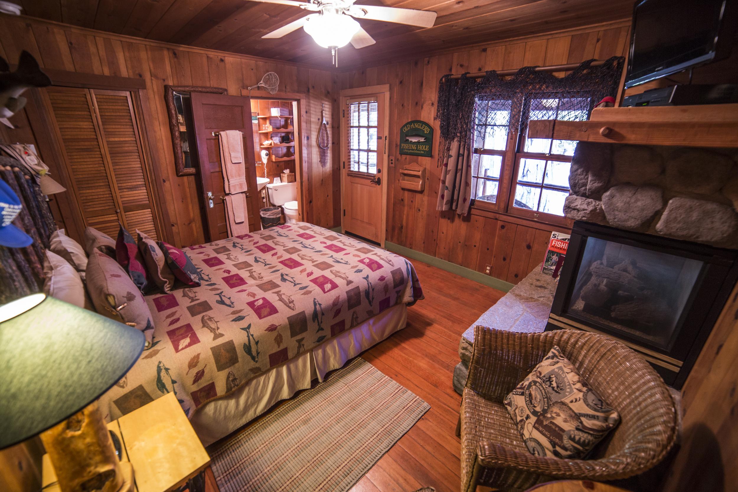 Old Fishin Hole Cottage Inn Room