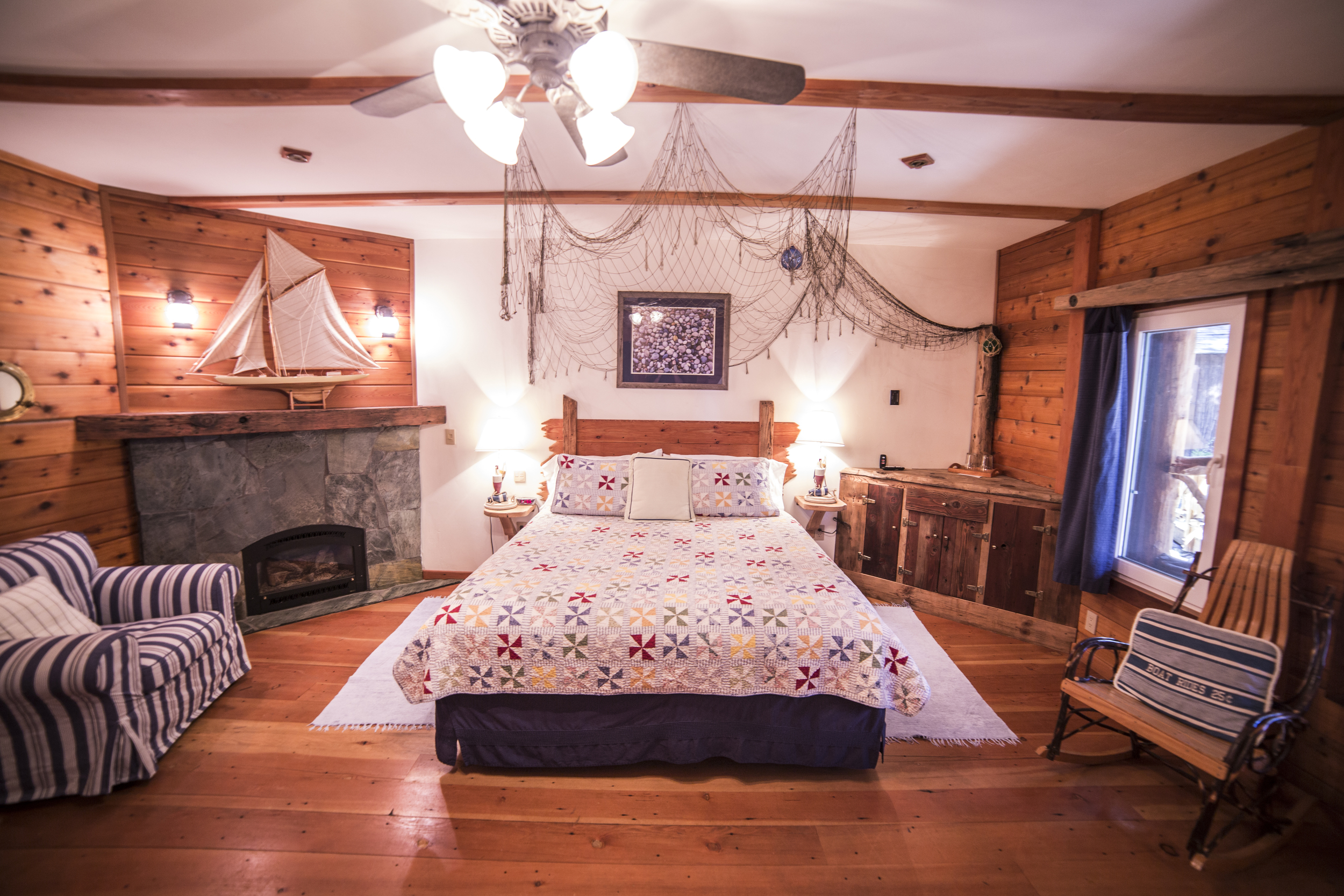 Sail Away Cottage Inn Room