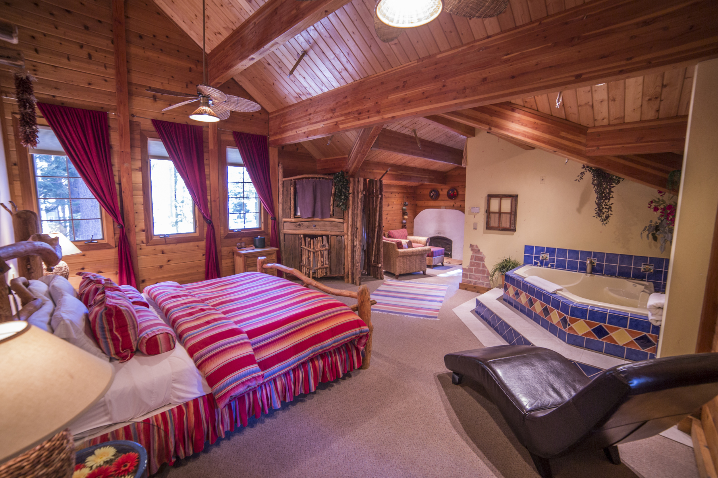 Sierra Siesta Cottage Inn Room