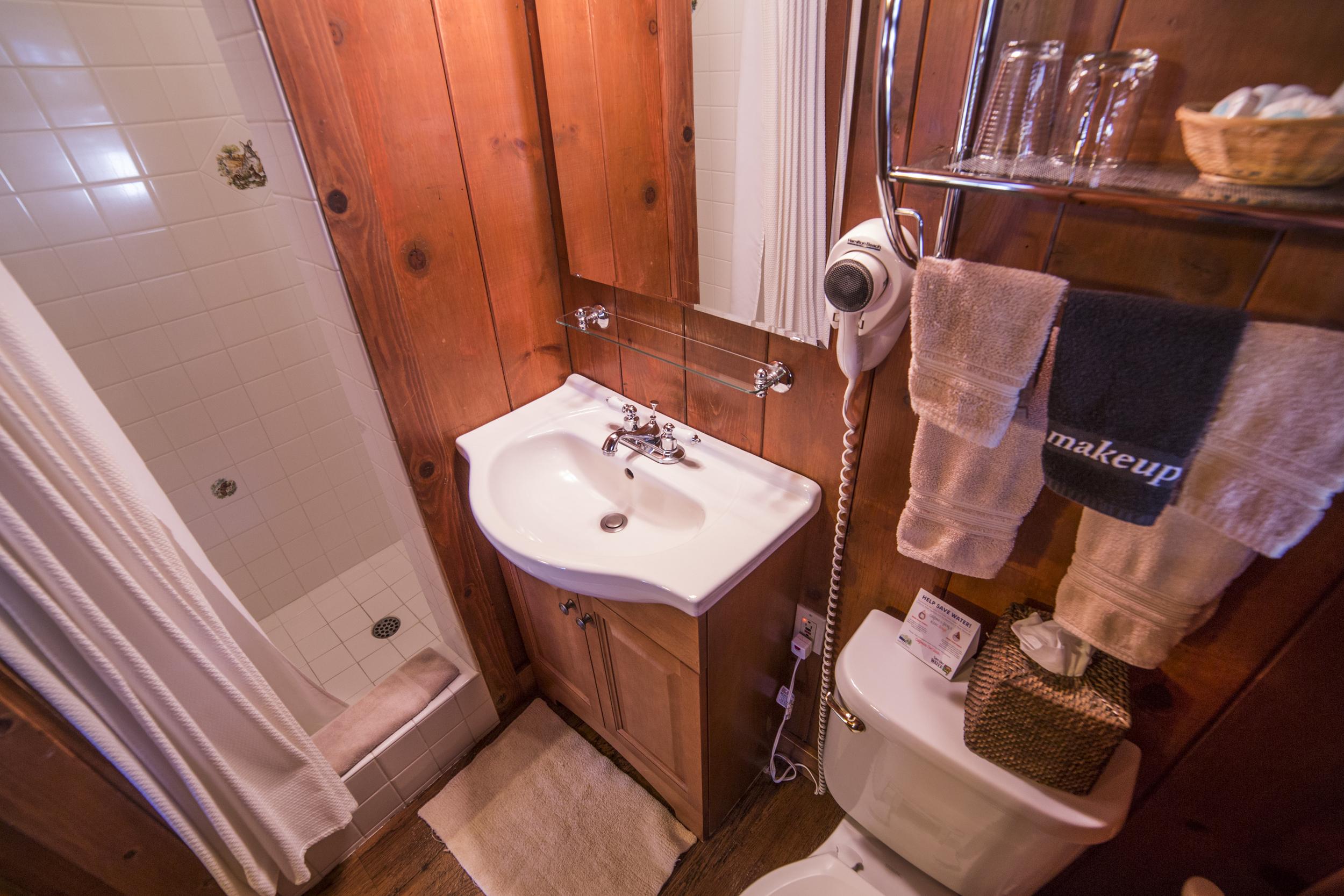 Tahoe Teepee Cottage Inn Room