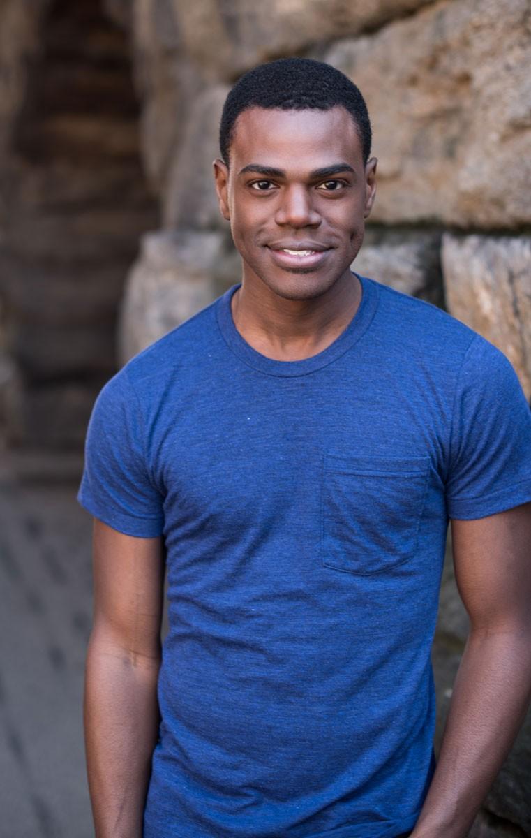 Ahmad Simmons    (Carousel)