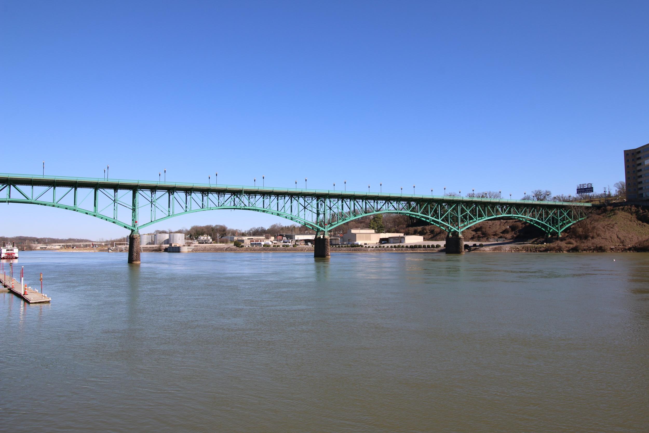 3RR Calhouns and Gay Street Bridge