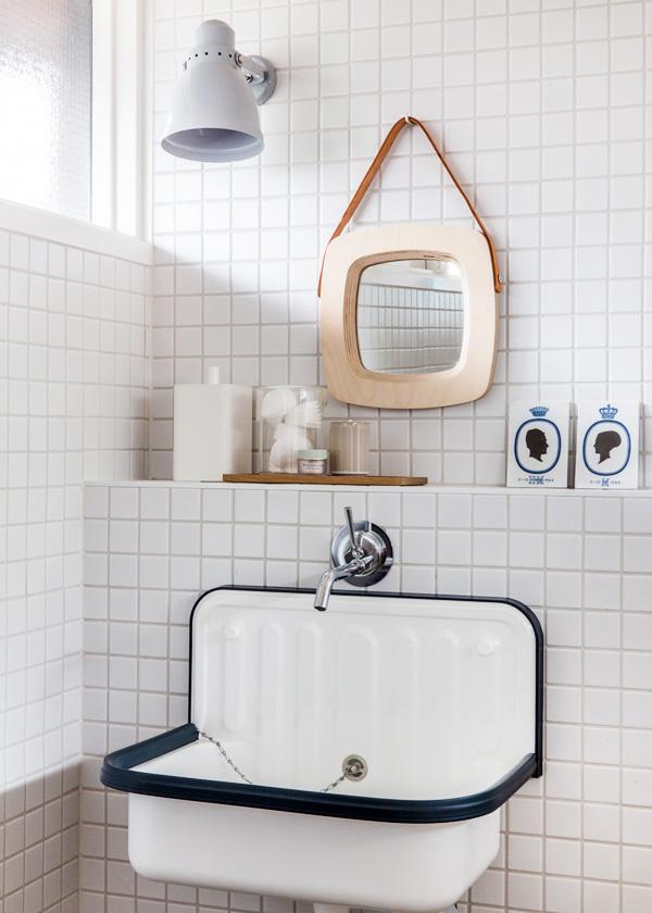 Sean Fennesey Simone-bathroom.jpg