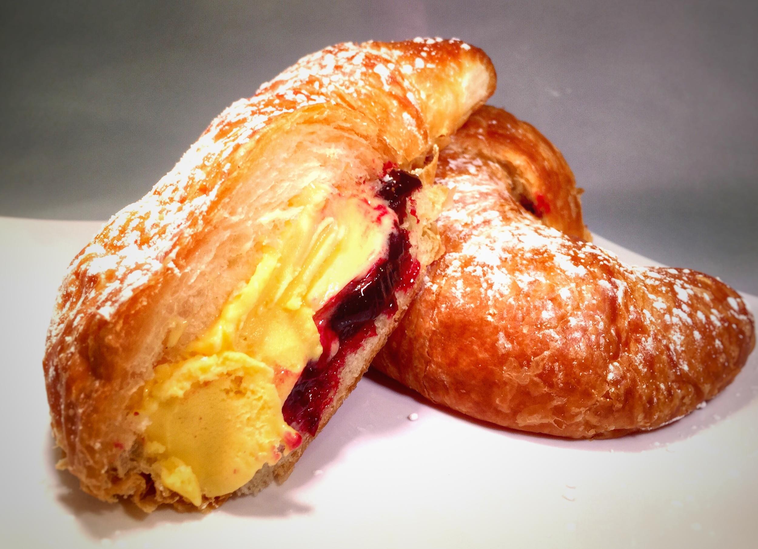 Geladough Croissant 2.jpg