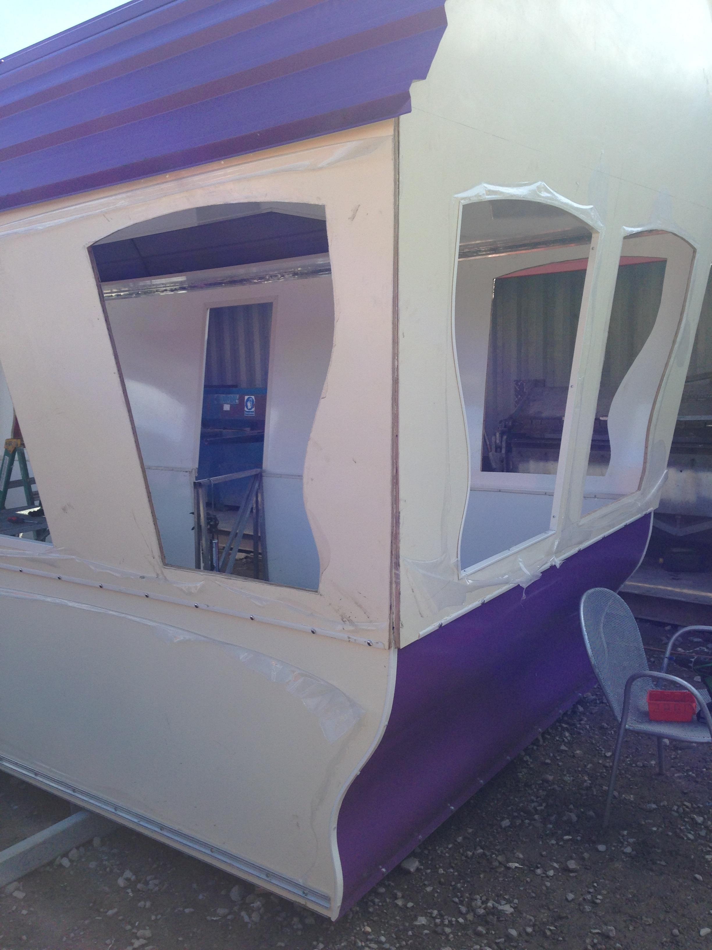 purple_carrige11_nL.JPG