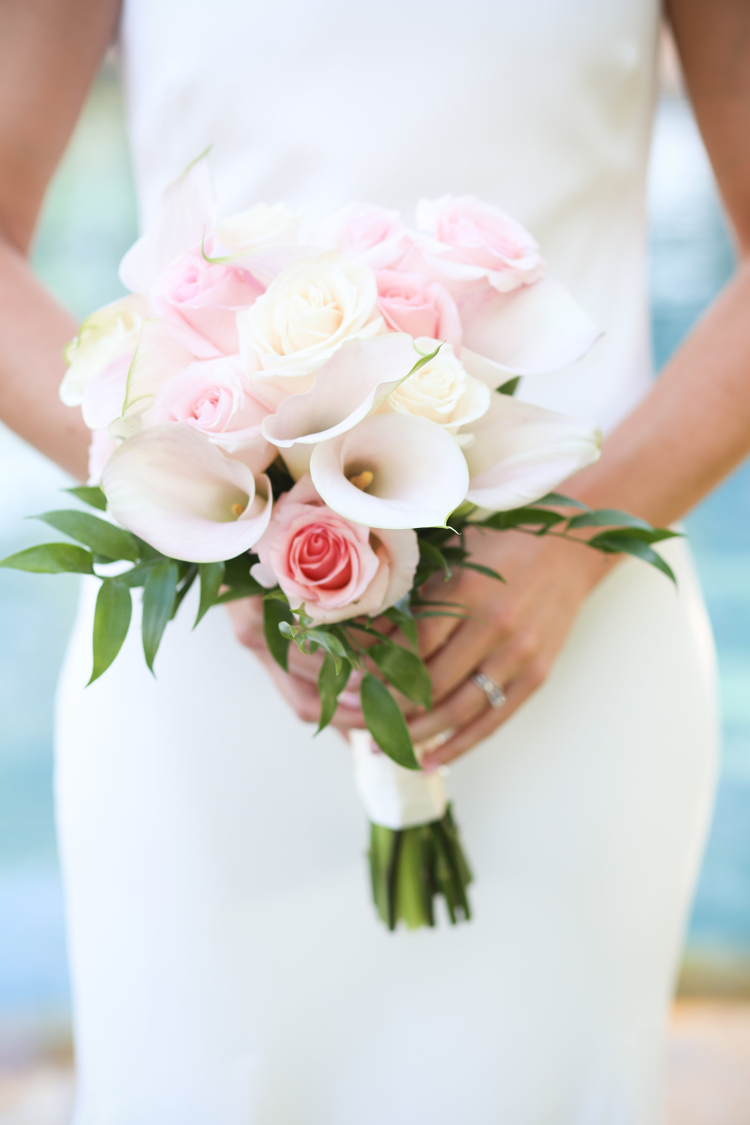 Rose and calla lily bridal bouquet.jpeg