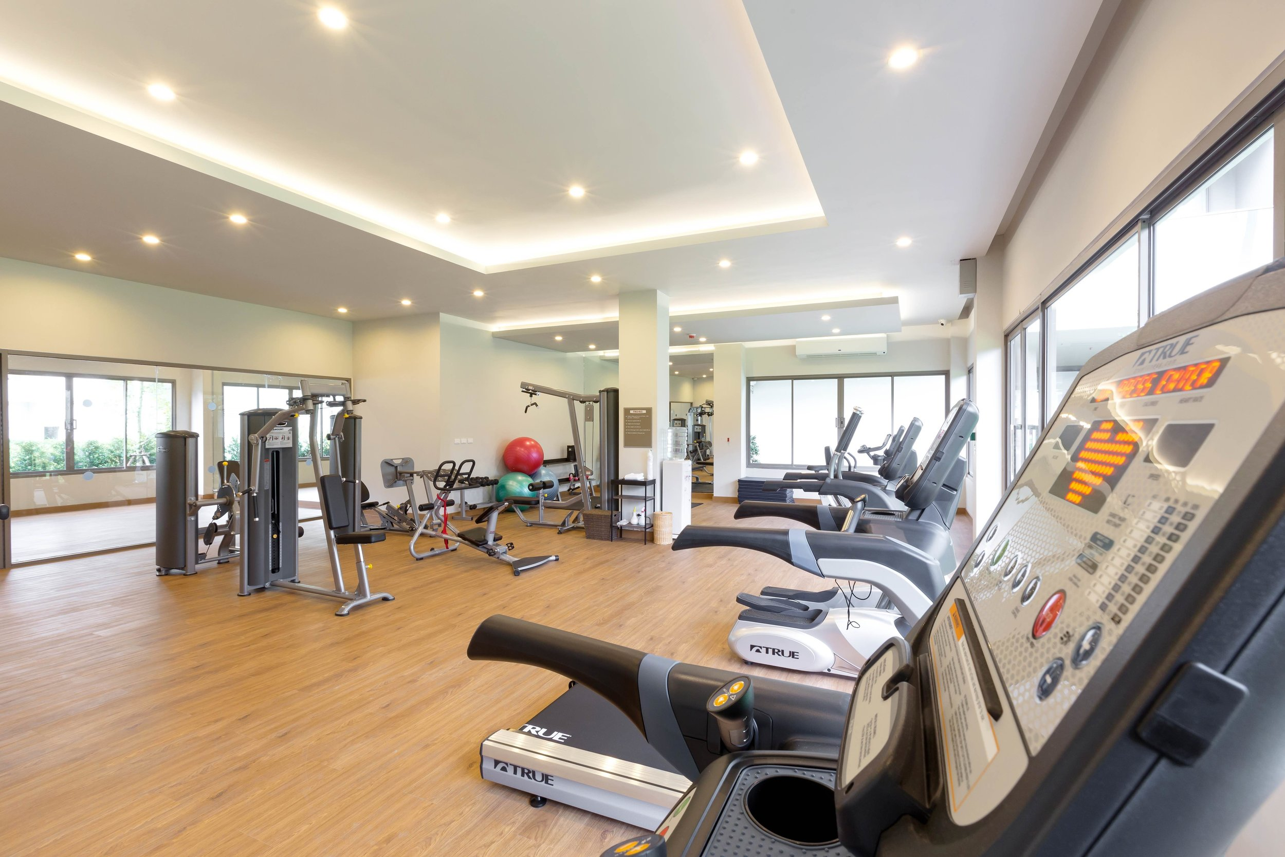 fitness_001_31153286651_o.jpg